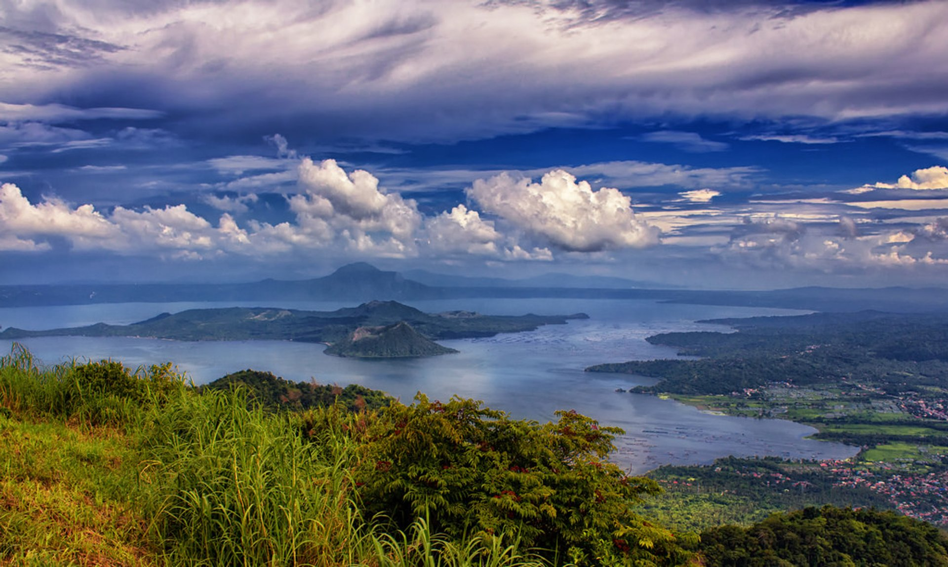 Taal Volcano in Philippines 2019 - Best Time
