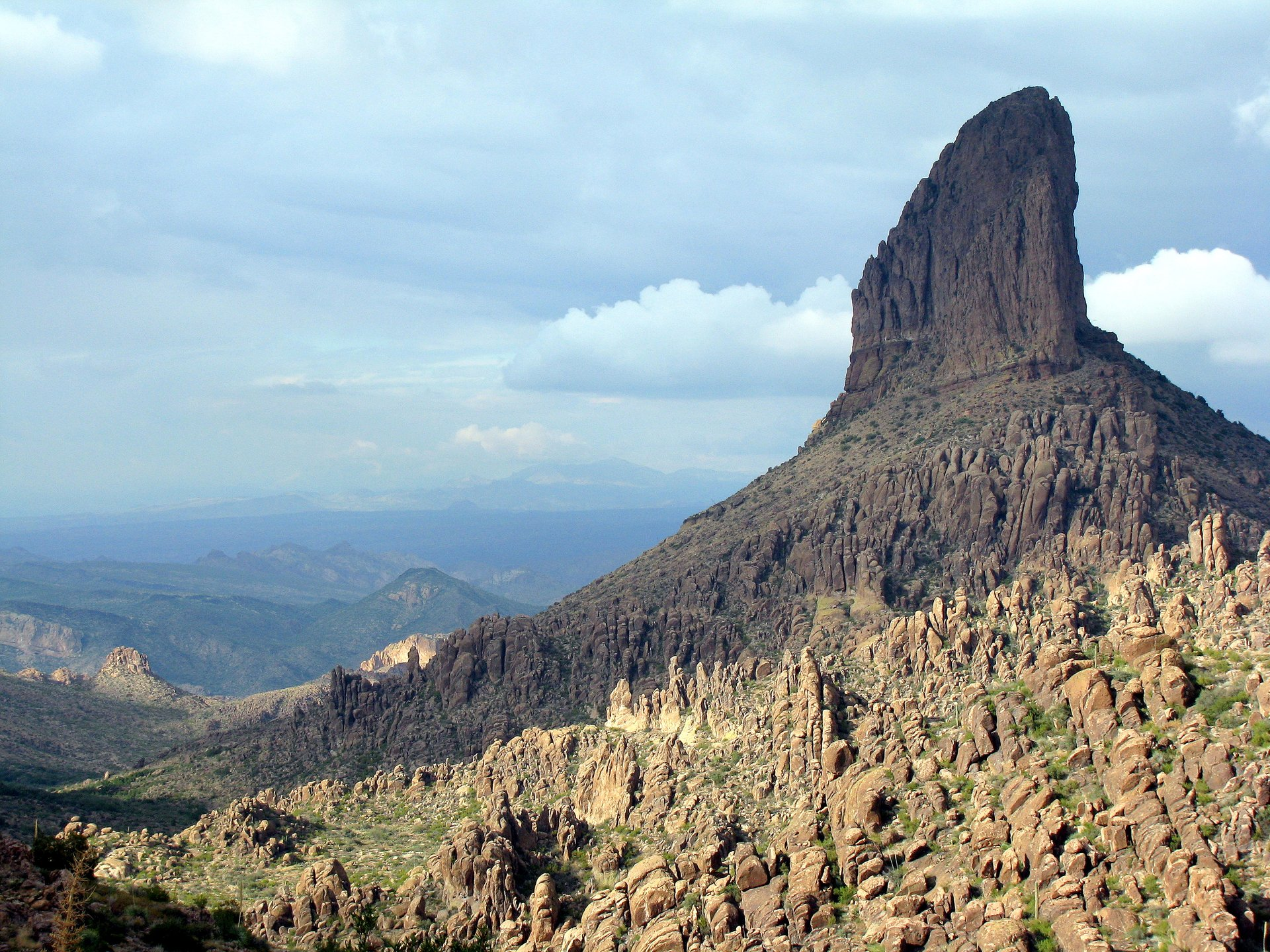 Weaver's Needle from Peralta Trail, AZ 2020