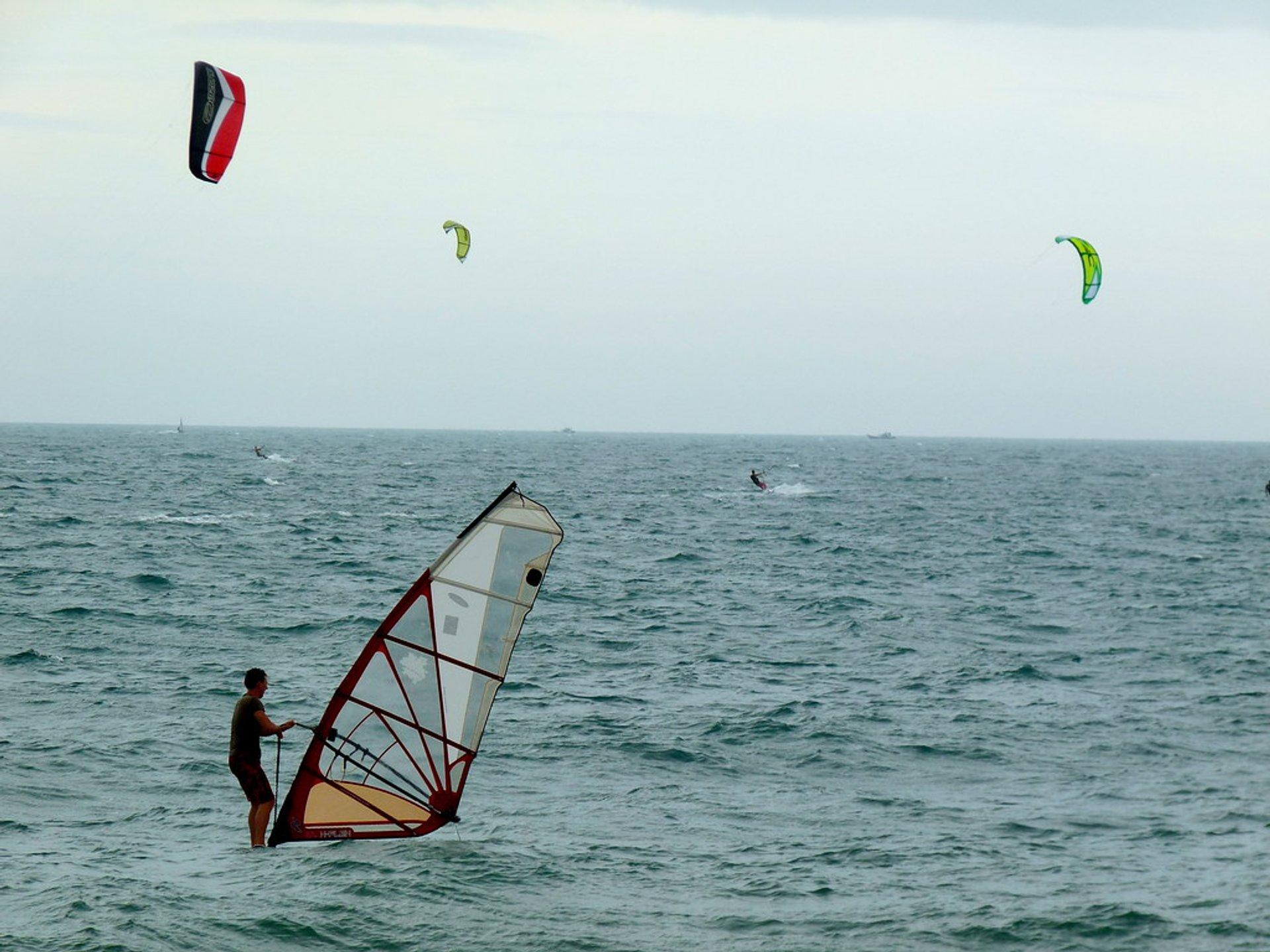 Windsurfing and kitesurfing in Mui Ne 2020