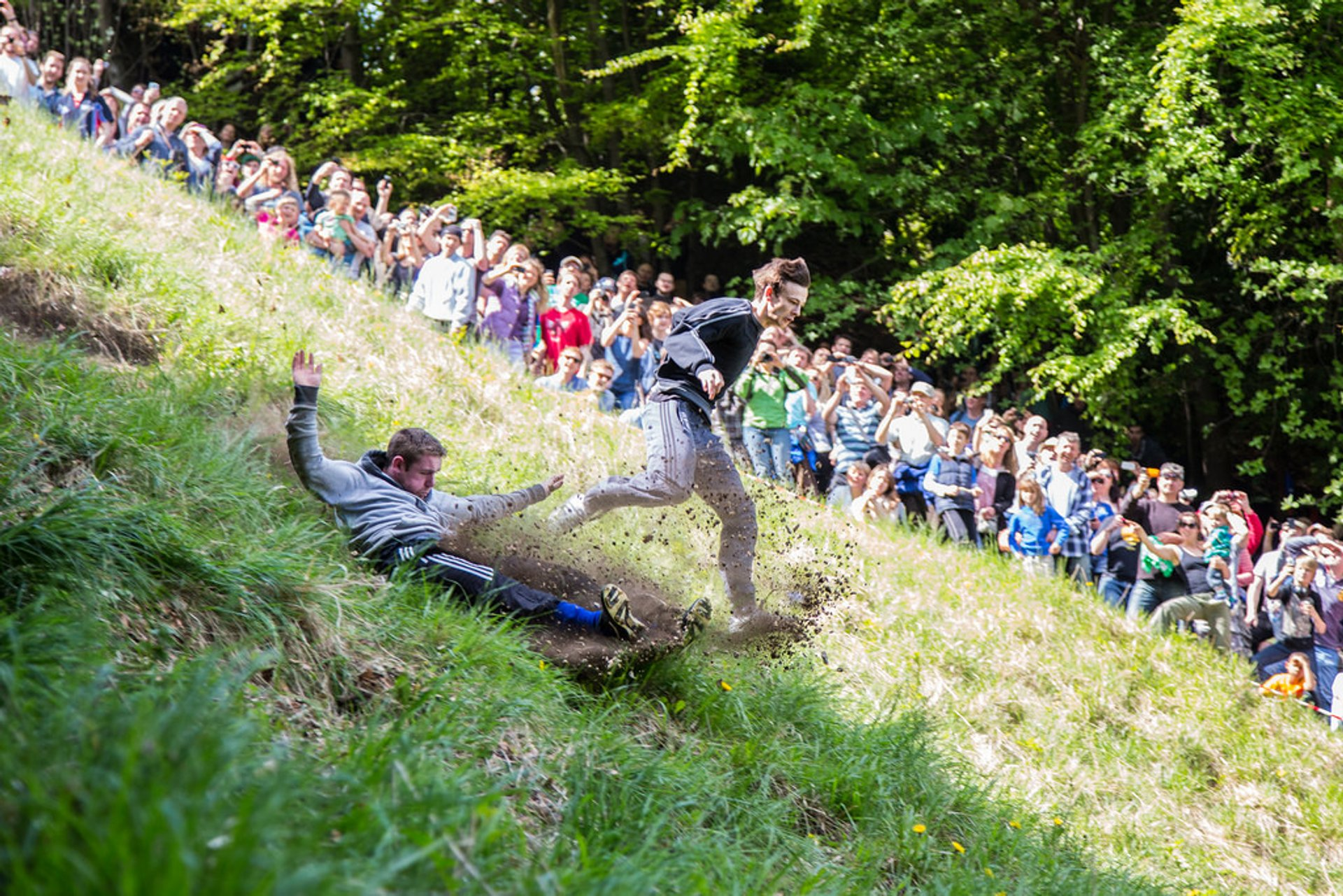 Best time for Cooper's Hill Cheese-Rolling and Wake in England
