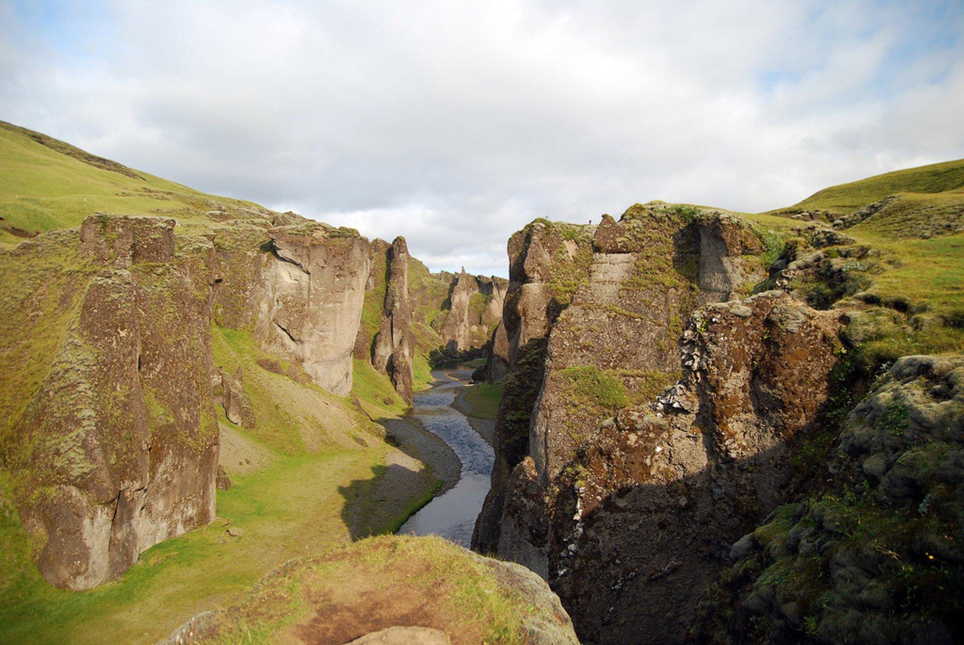 Fjaðrárgljúfur Canyon in Iceland - Best Season 2020