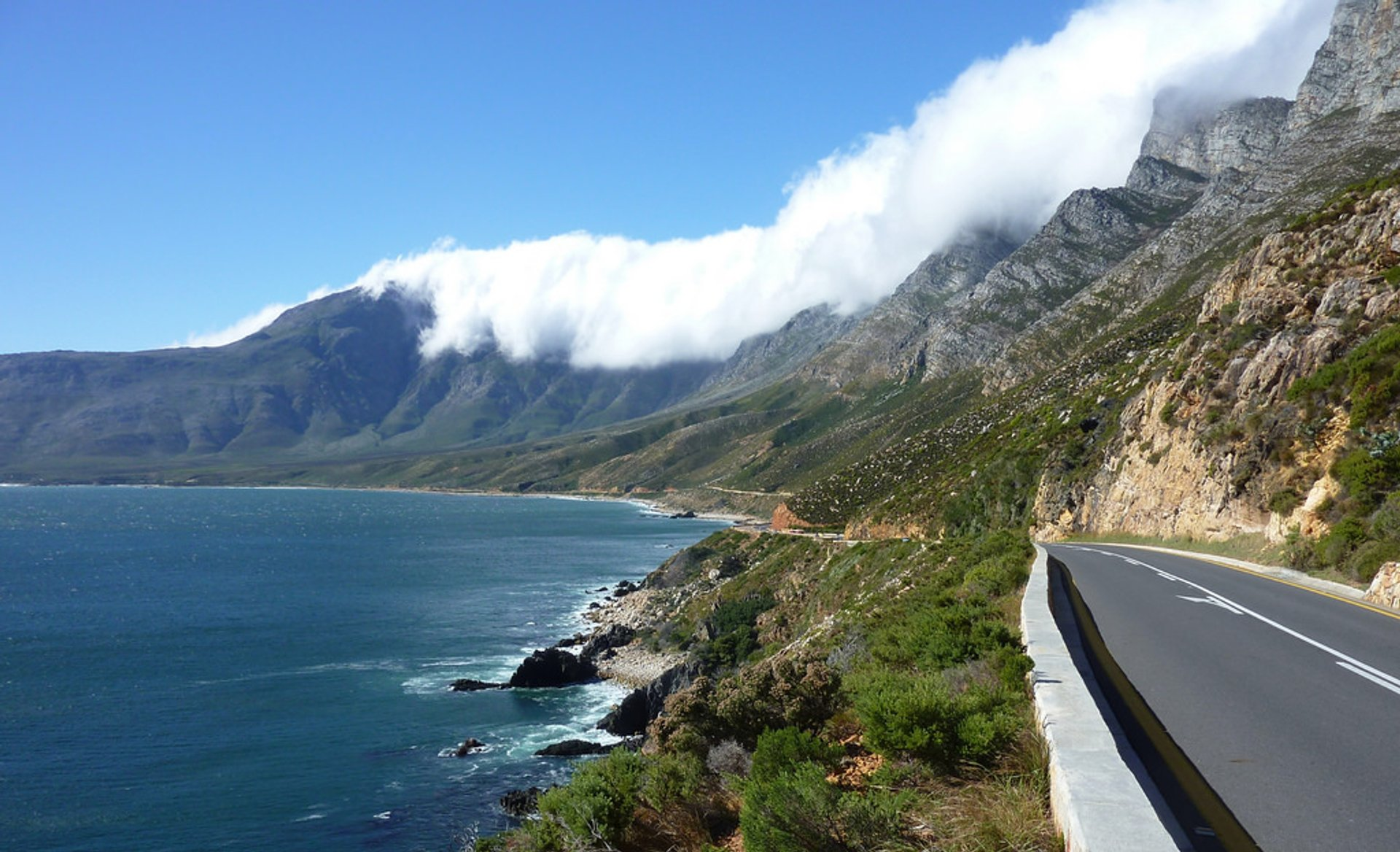 Coastal vista along the wonderfully scenic R44 Coastal Road between Rooi-Els and Gordon's Bay