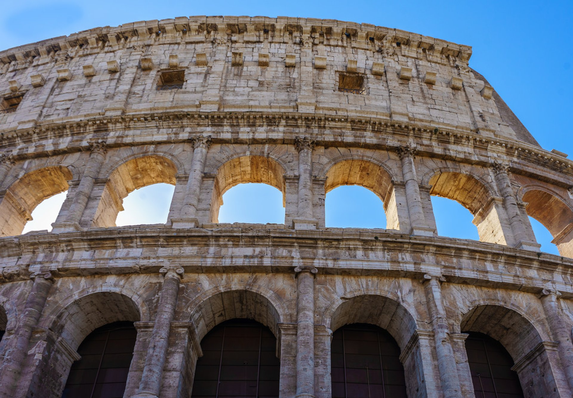 Best time to see Colosseum in Rome 2020