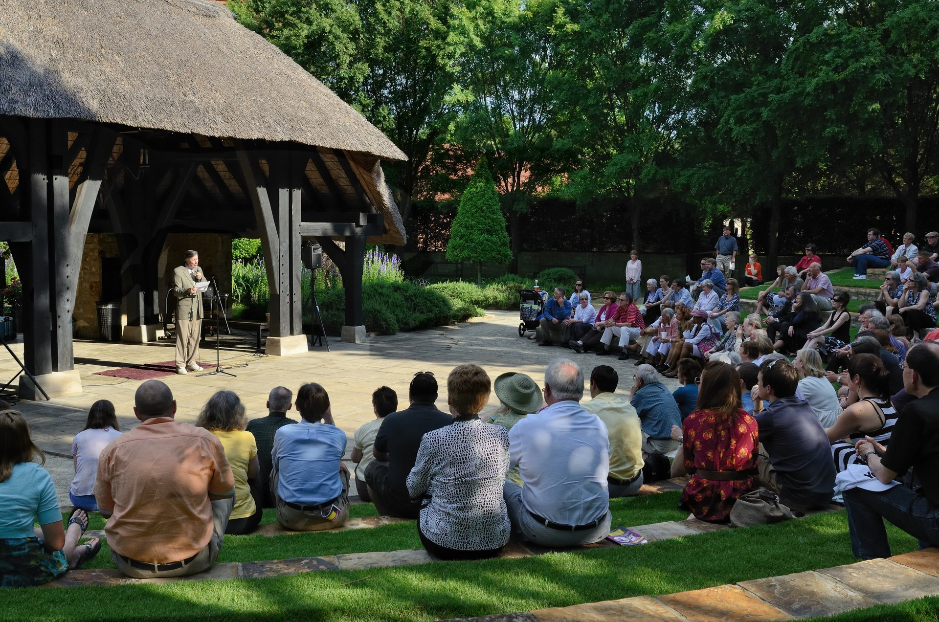 "Producing Artistic Director of the Alabama Shakespeare Festival, Geoffrey Sherman, reading Shakespeare's Sonnet 71 ""No longer mourn for me when I am dead"" on the 447th anniversary of Shakespeare's birth. The event was held in the Shakespare Garden at the ASF 2020"