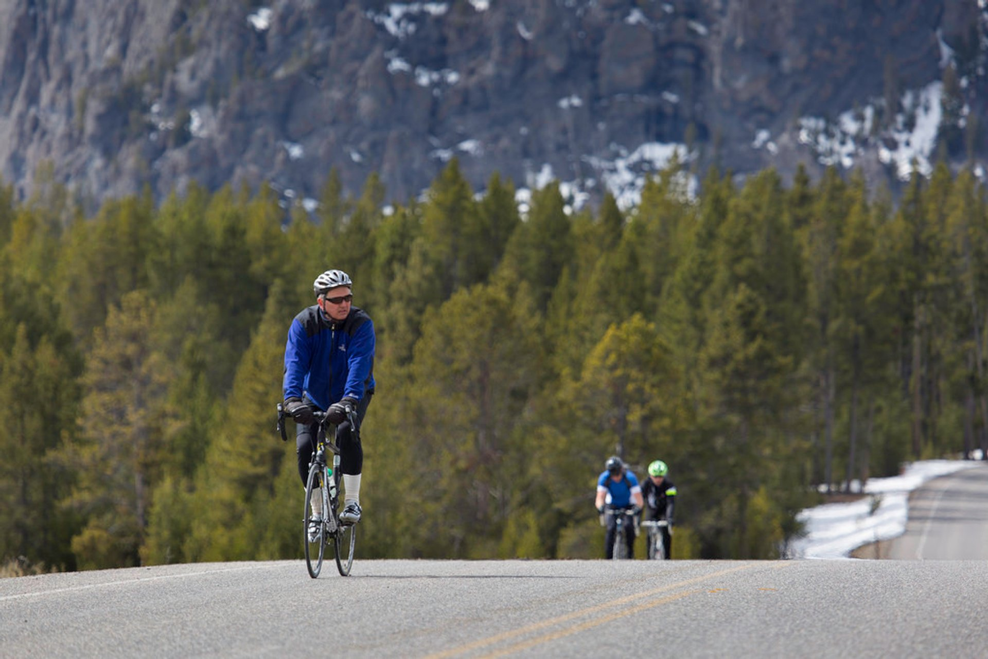 Cycling in Yellowstone National Park 2019 - Best Time