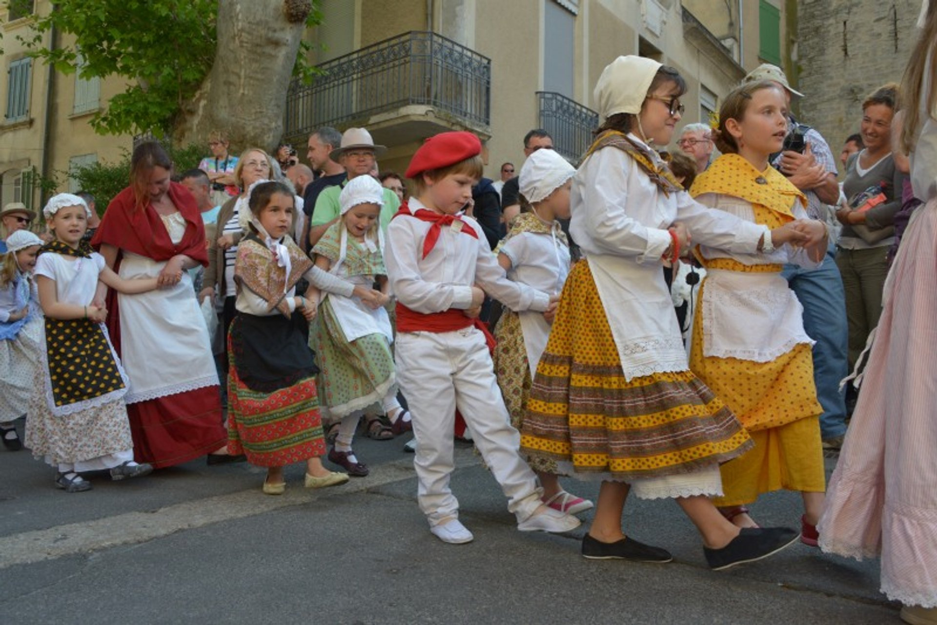 Saint Tulle's May Day in Cucuron in Provence & French Riviera - Best Season 2019
