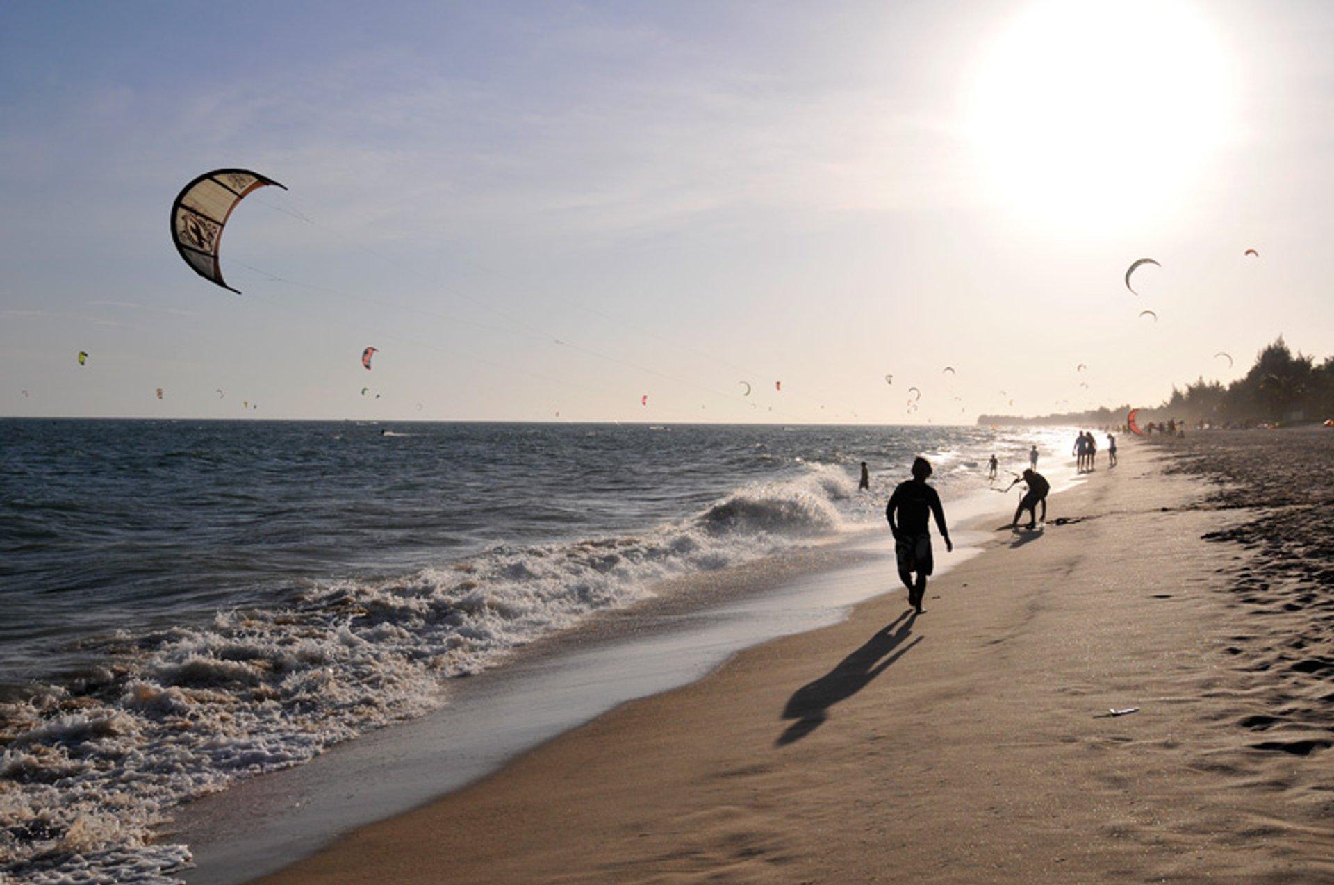 Kitesurfers in Mui Ne 2020