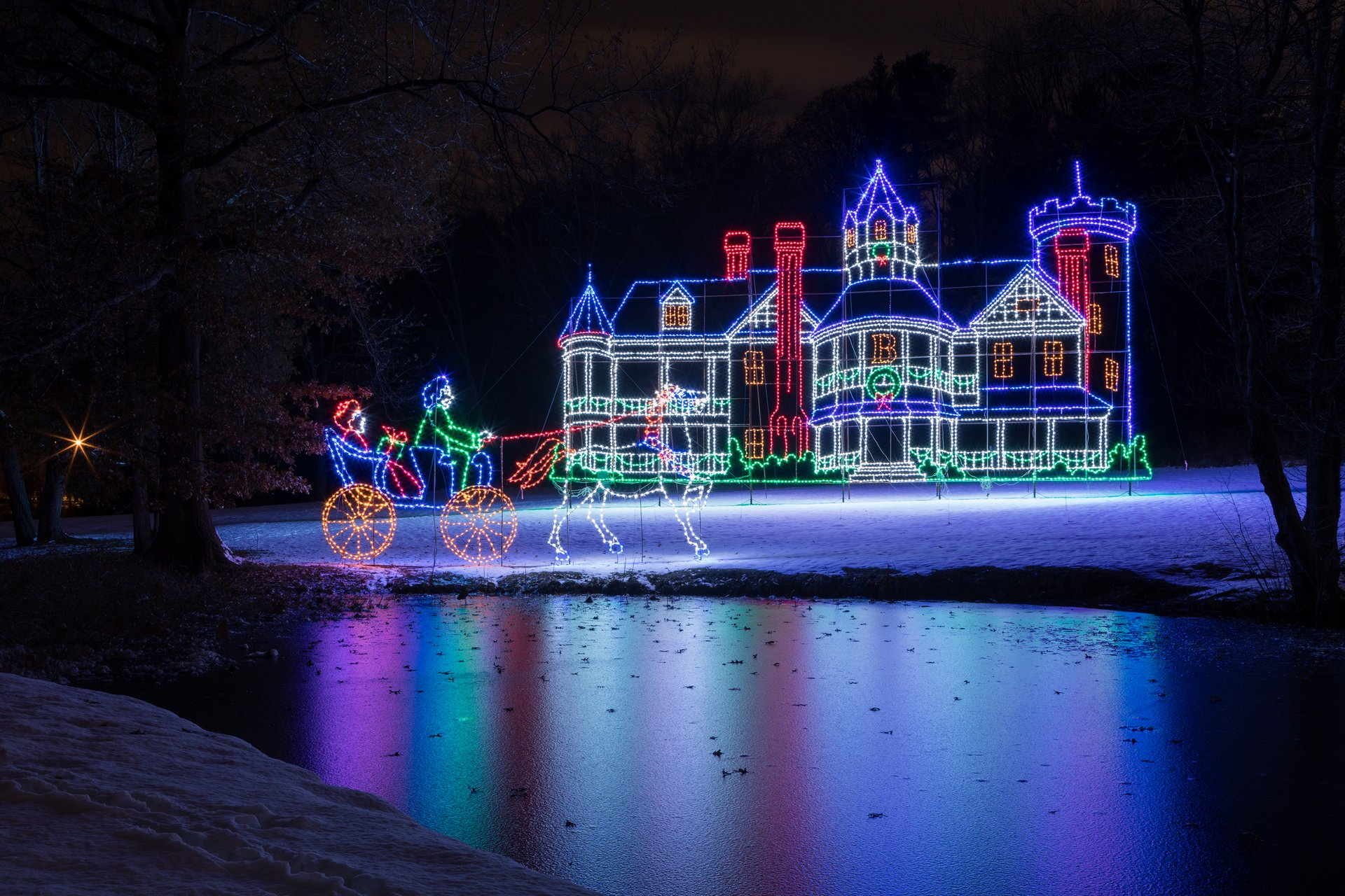 Best time to see Christmas Lights in Massachusetts 2020