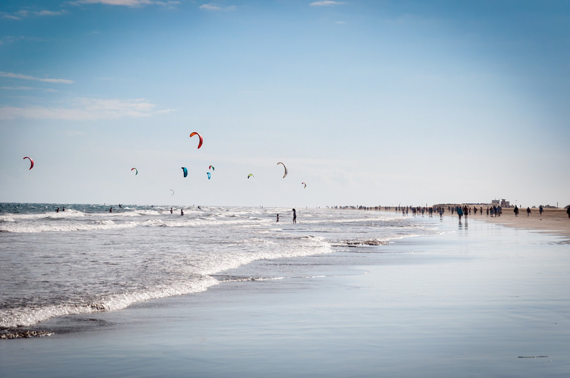 Kitesurfing at Playa del Ingles in Gran Canaria