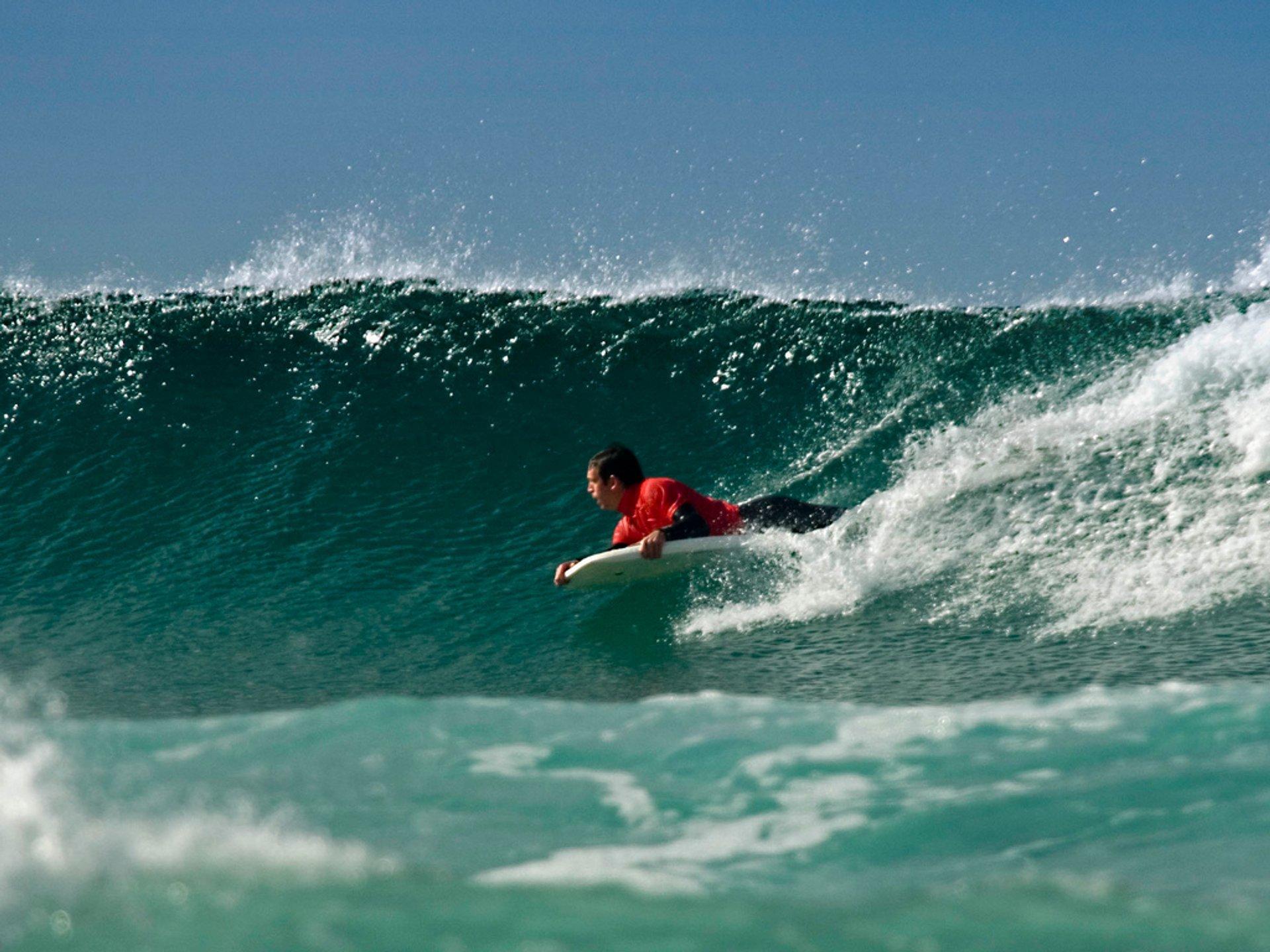 Surfing  in England - Best Season 2020