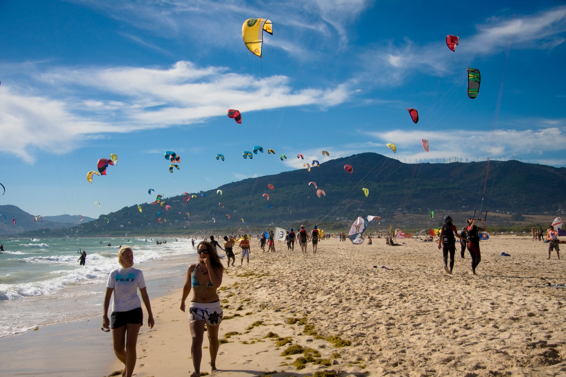 Kitesurfing & Windsurfing in Spain 2020 - Best Time
