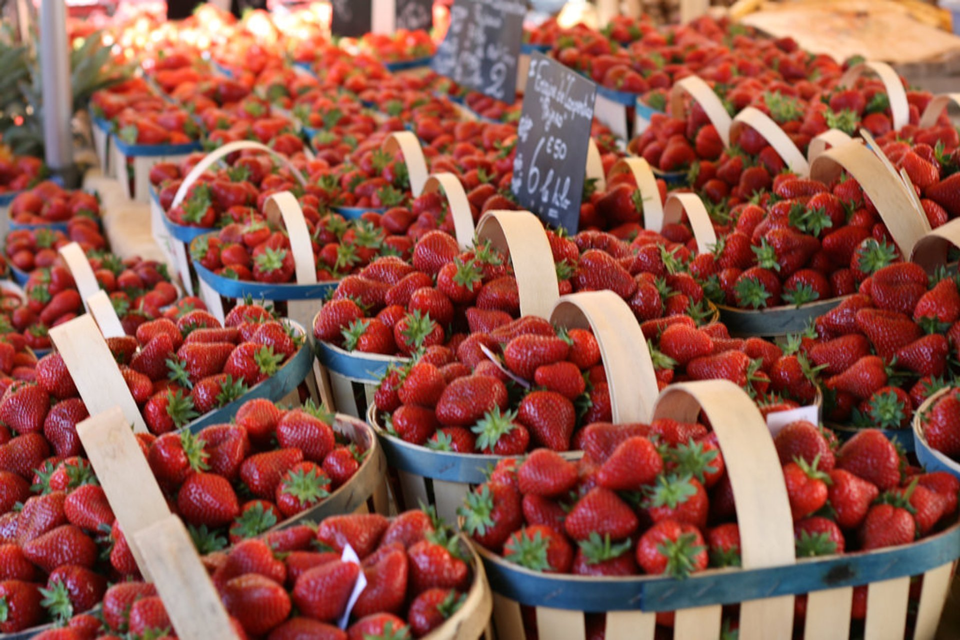 Strawberry Harvest and Fête de la Fraise in Provence & French Riviera 2020 - Best Time