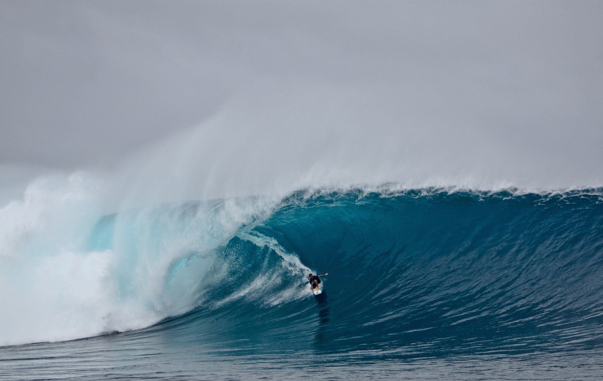Surfing in Fiji - Best Season 2019
