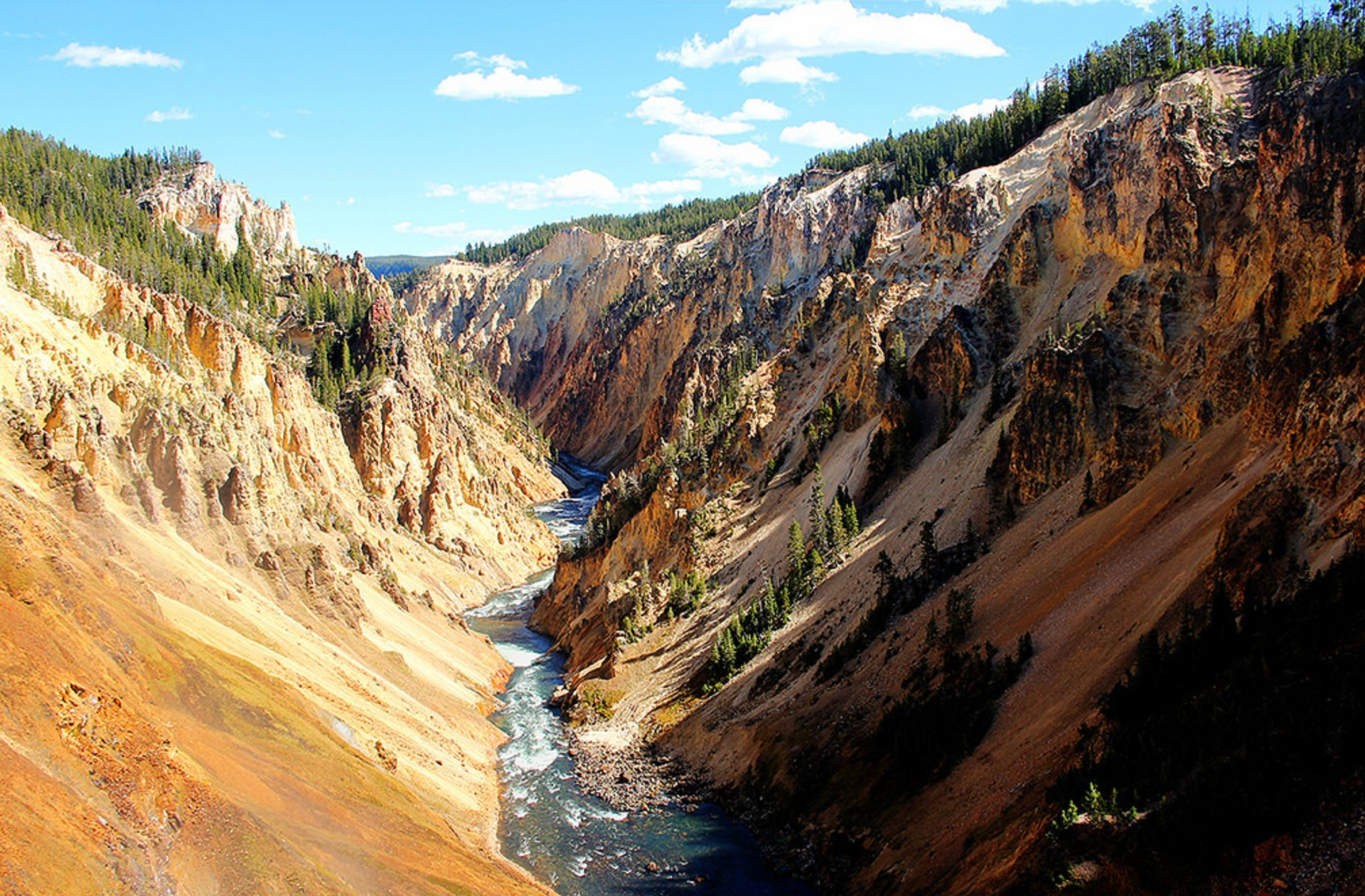 Grand Canyon of the Yellowstone in Yellowstone National Park 2019 - Best Time
