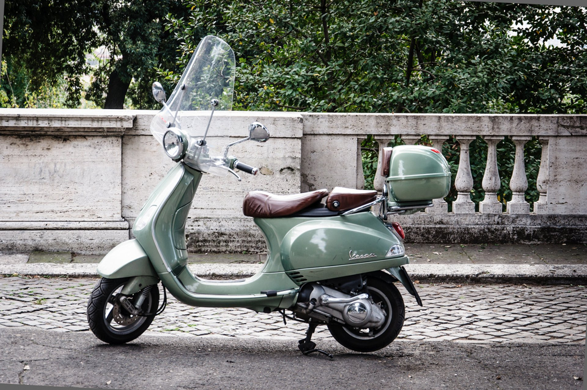 Best time to see Vespa Scooter Tours in Rome 2020