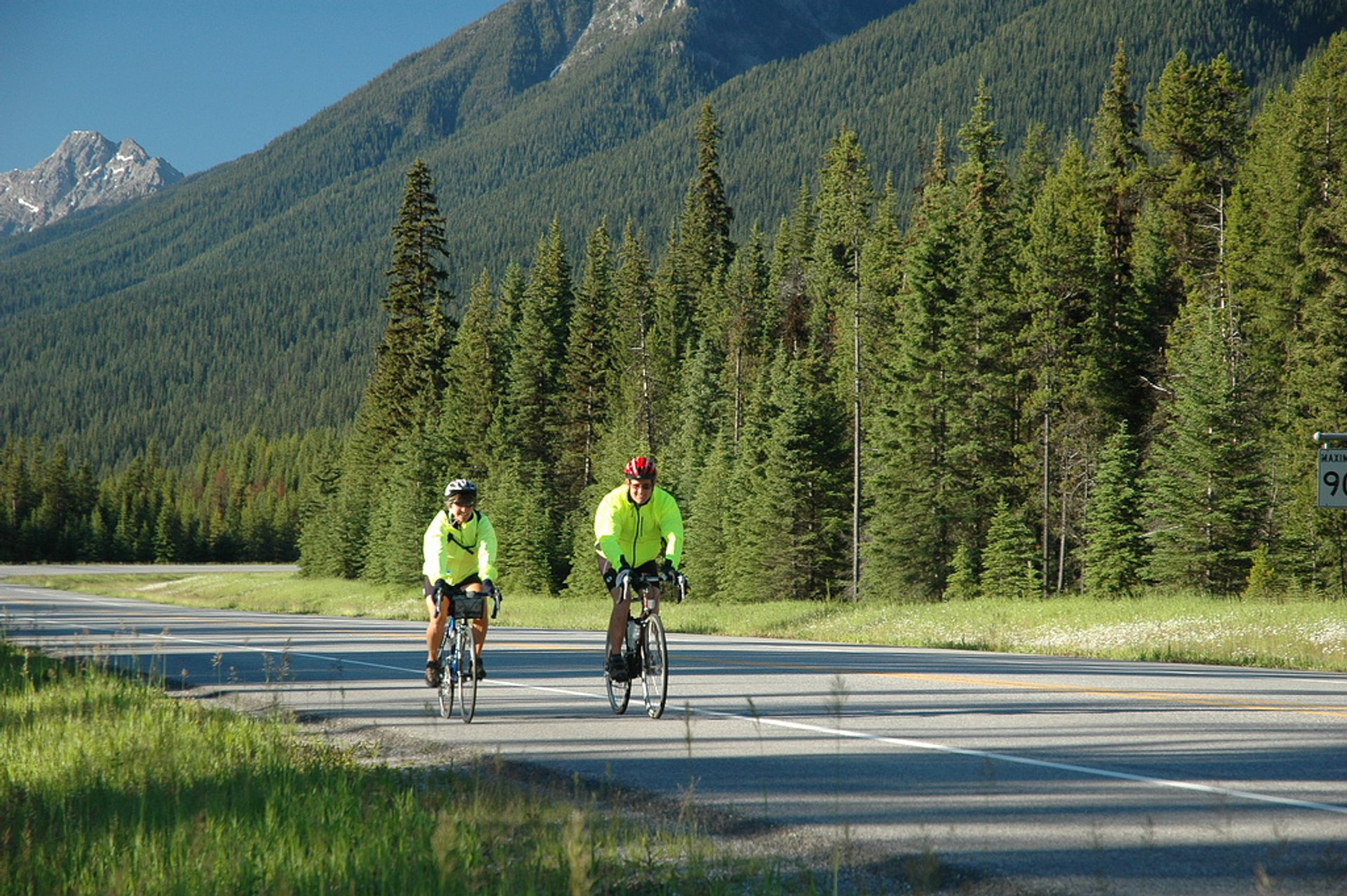Best time to see Mountain Biking in Banff & Jasper National Parks 2020