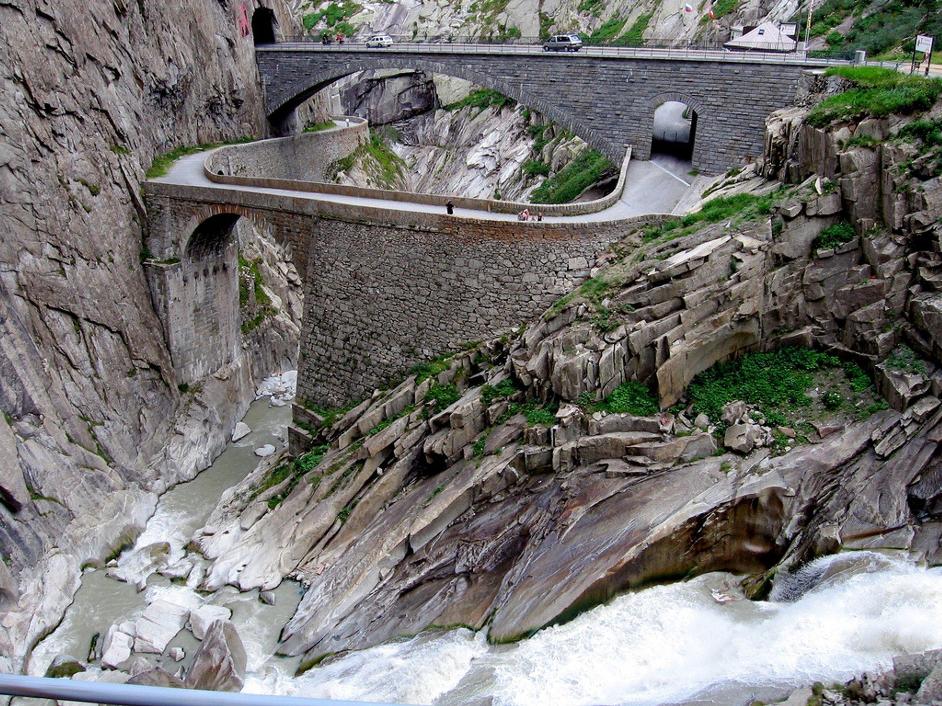 Best time to see Teufelsbrücke or Devil's Bridge in Switzerland 2020