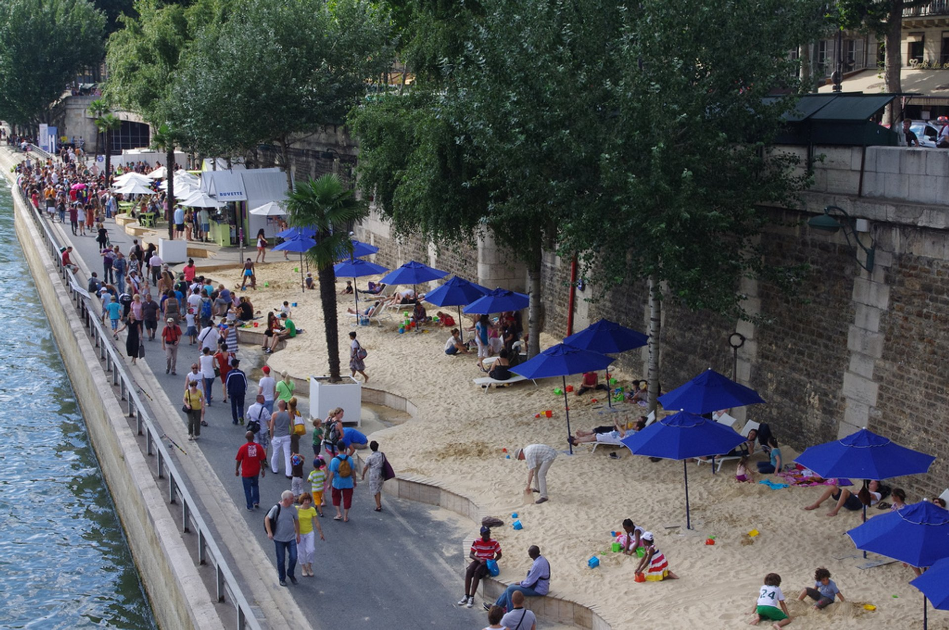 Best time to see Beaches on the Seine or Paris Plages in Paris 2020