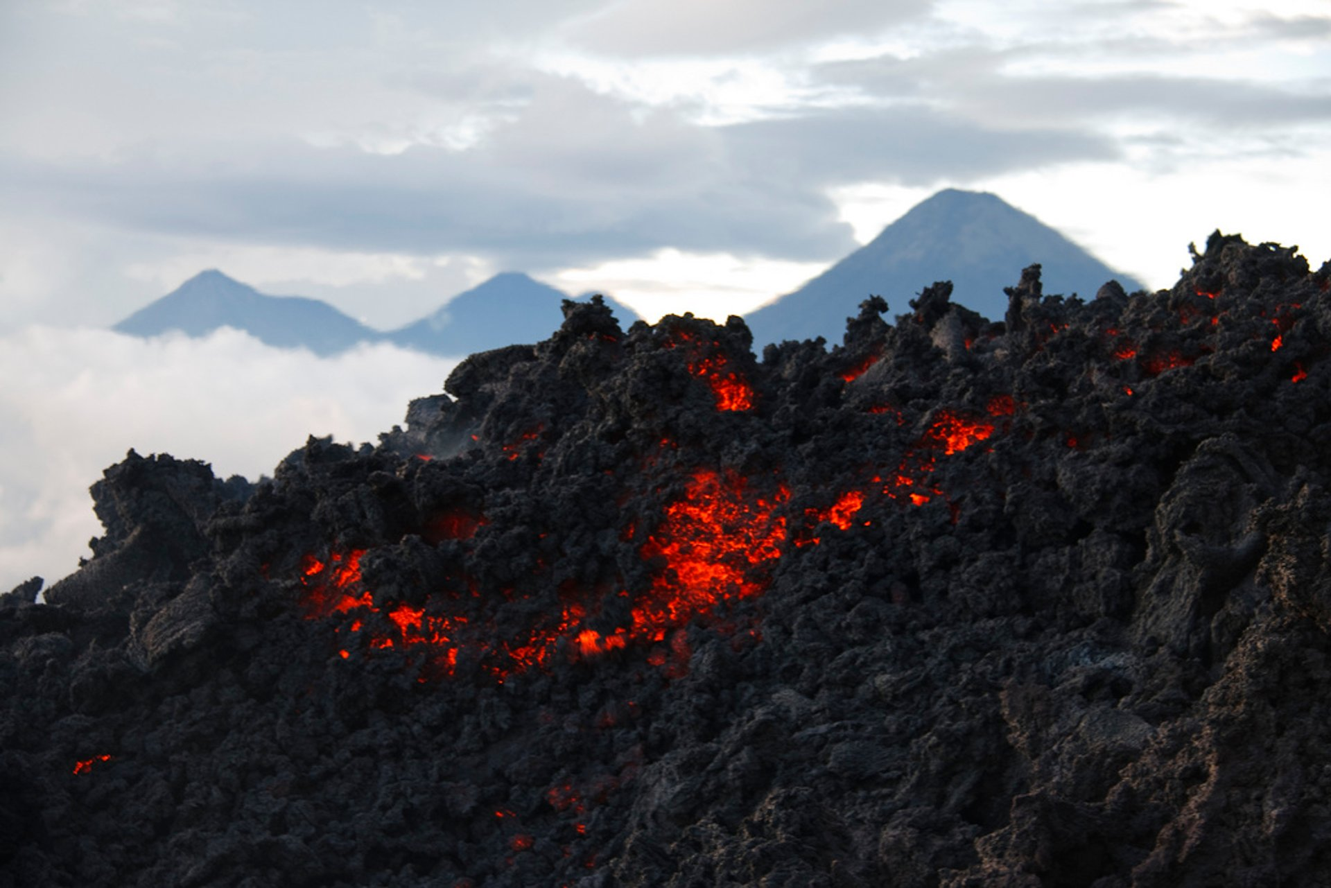 Lava flow on Volcan Pocaya 2020