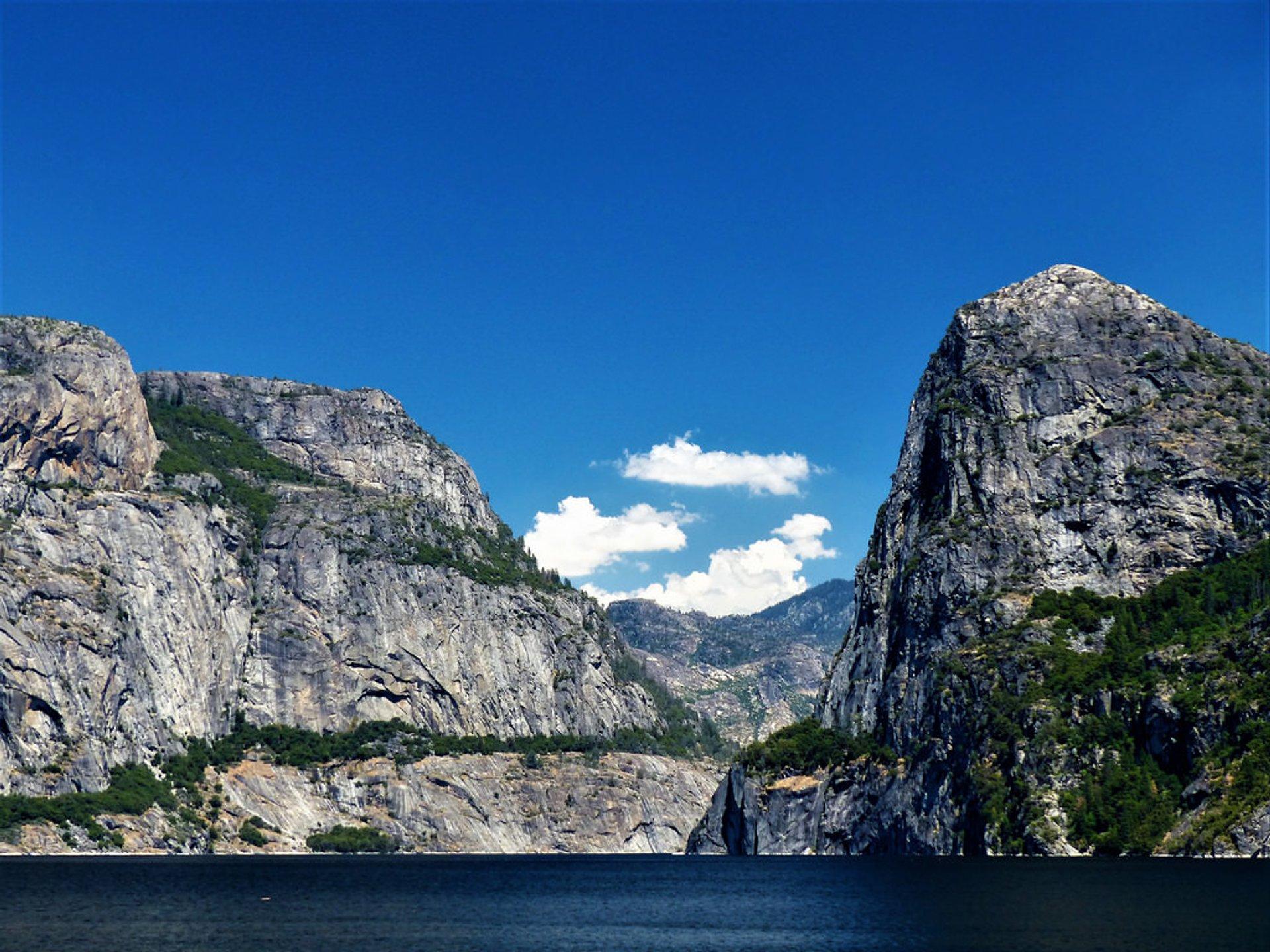 Hetch Hetchy Valley in Yosemite 2020 - Best Time