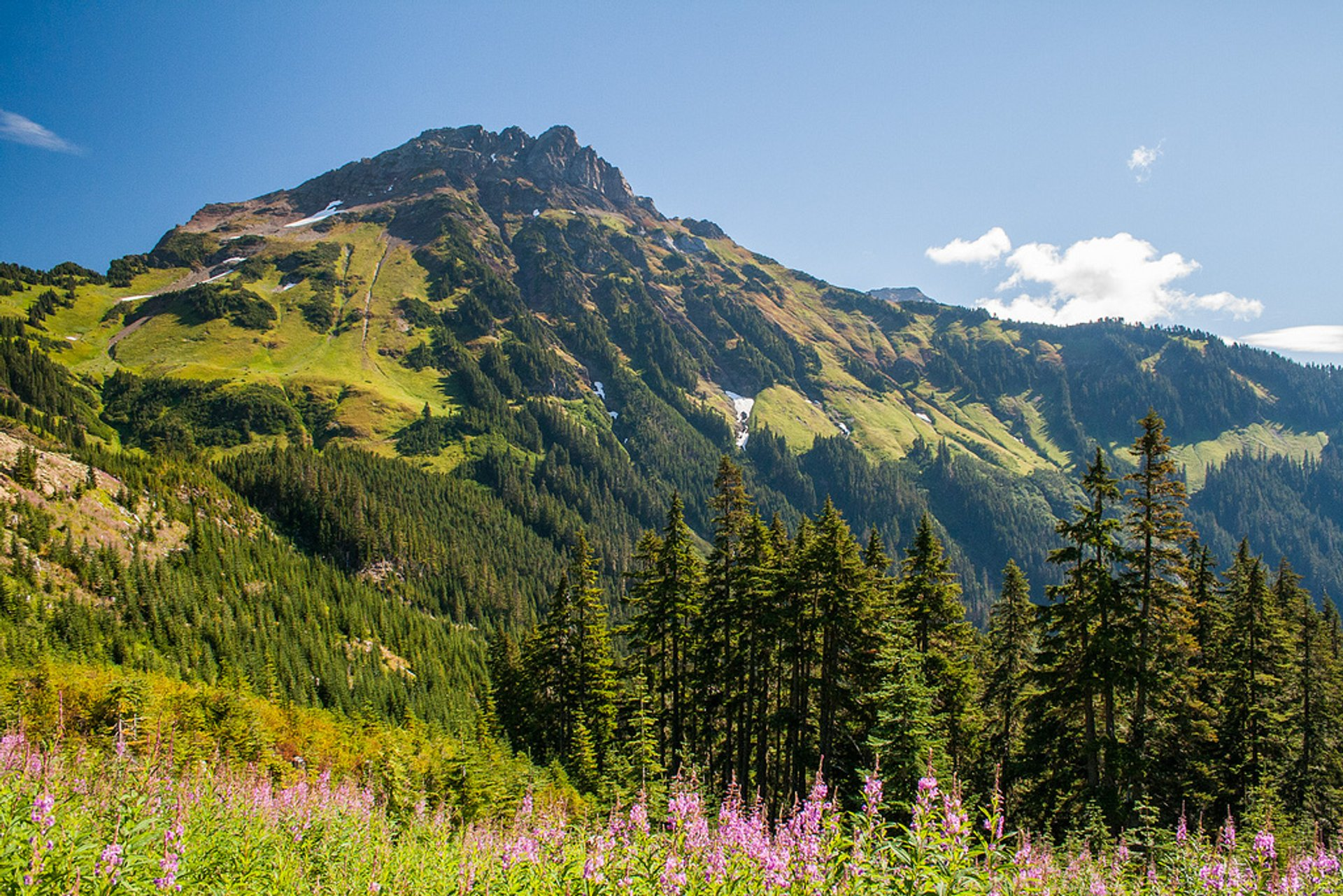 Best time for Mount Cheam in British Columbia
