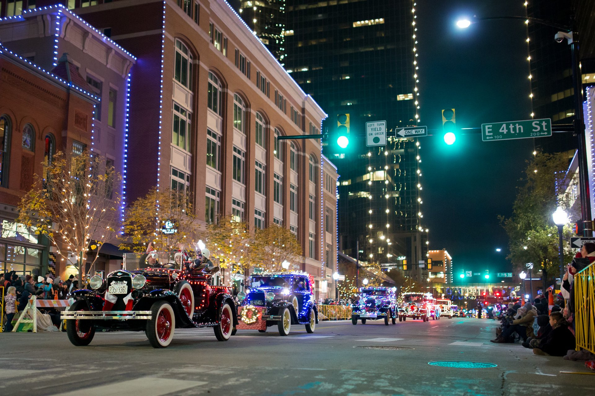 Fort Worth Parade of Lights in Texas 2020 - Best Time