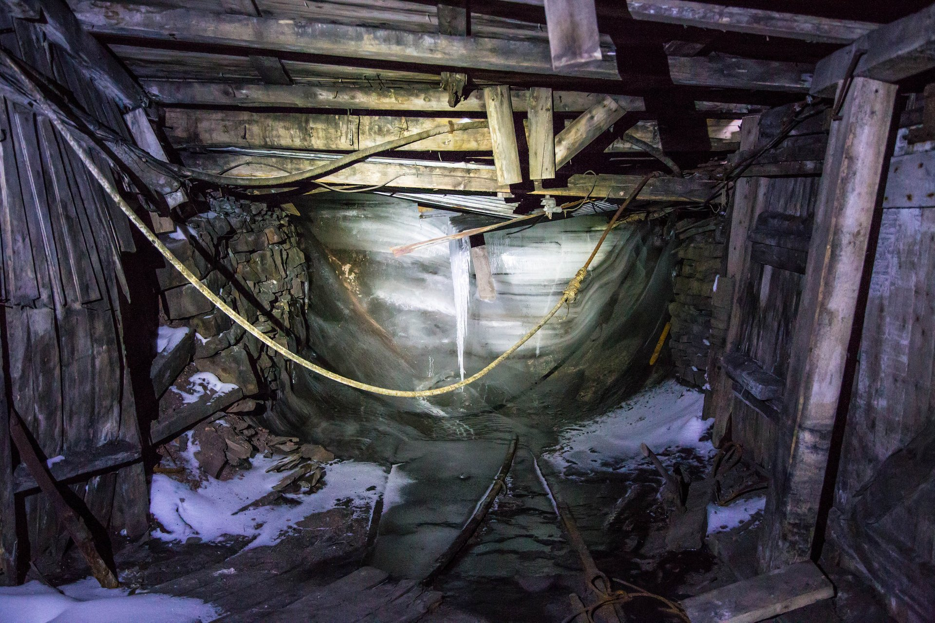 Best time to see Abandoned Coal Mines in Svalbard 2019