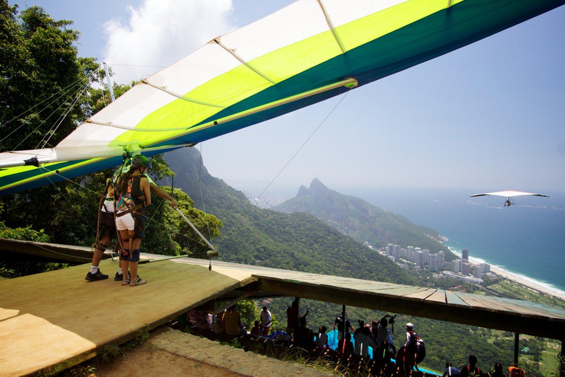 Hang Gliding in Rio de Janeiro 2019 - Best Time