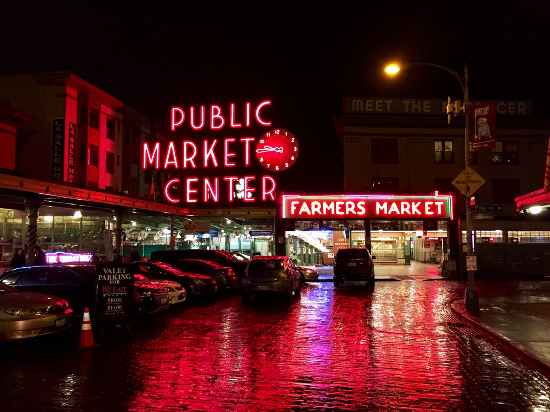 Pike Place Market in Seattle 2020 - Best Time