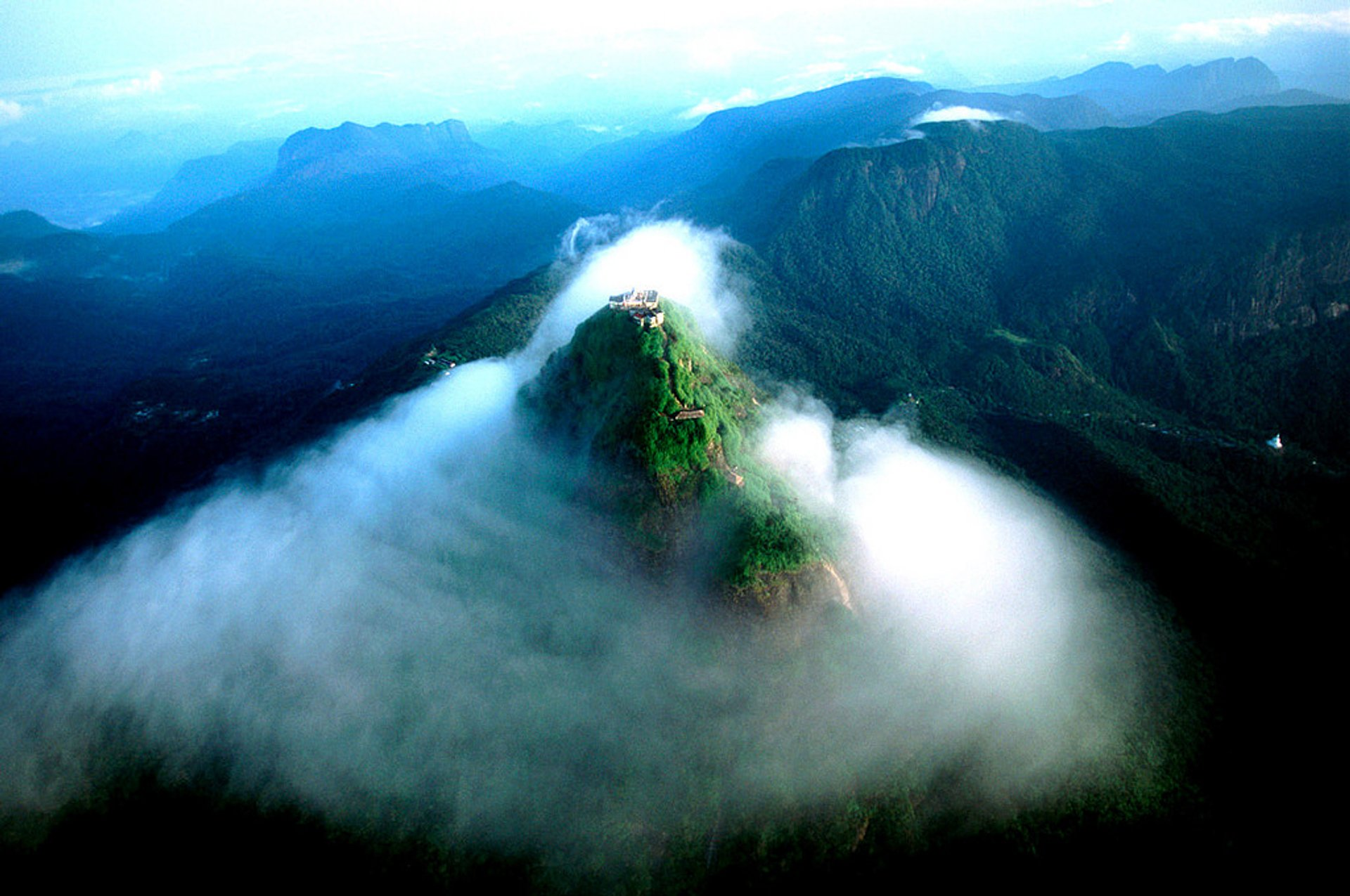 Best time for Adam's Peak Pilgrimage in Sri Lanka 2020