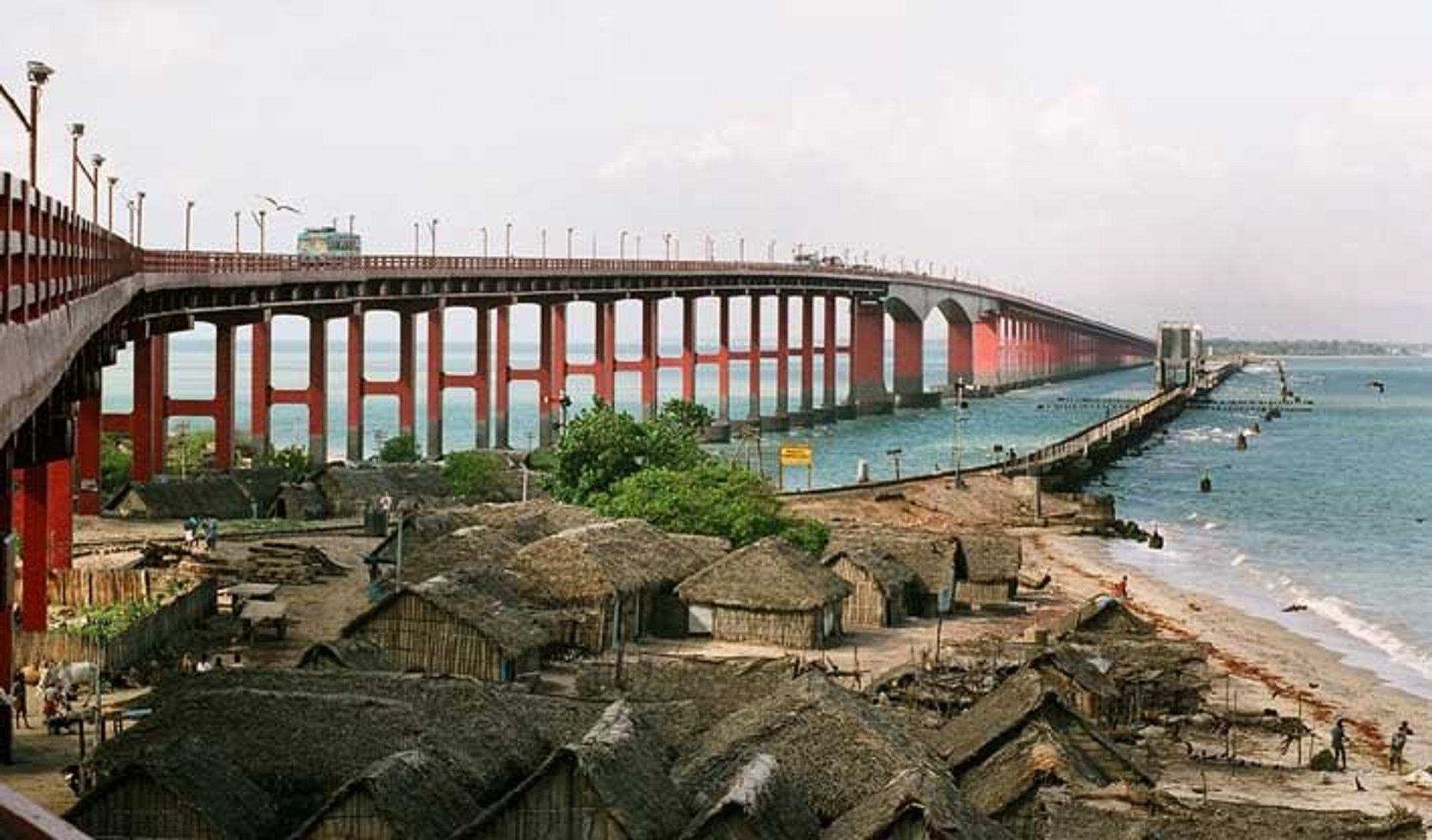 Pamban Road Bridge to the left, and Pamban Railway Bridge to the right 2020