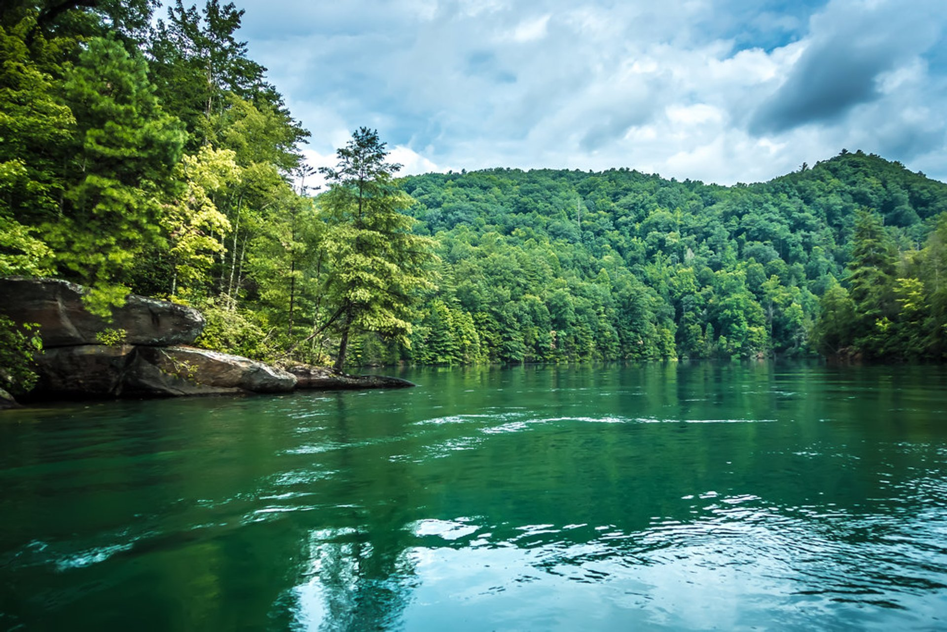 Lake Jocassee in South Carolina 2020 - Best Time