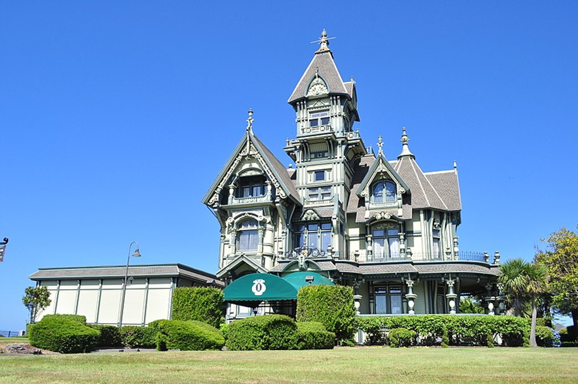 Carson Mansion in California 2020 - Best Time