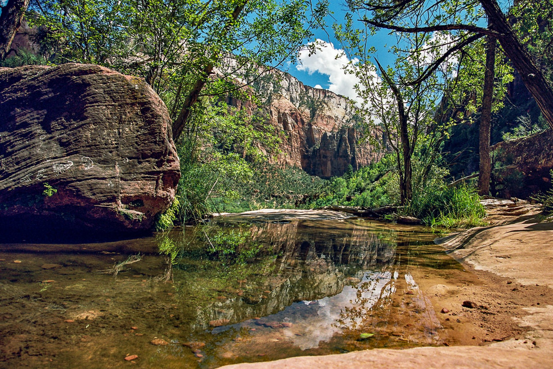 Emerald Pools in Utah - Best Season 2020