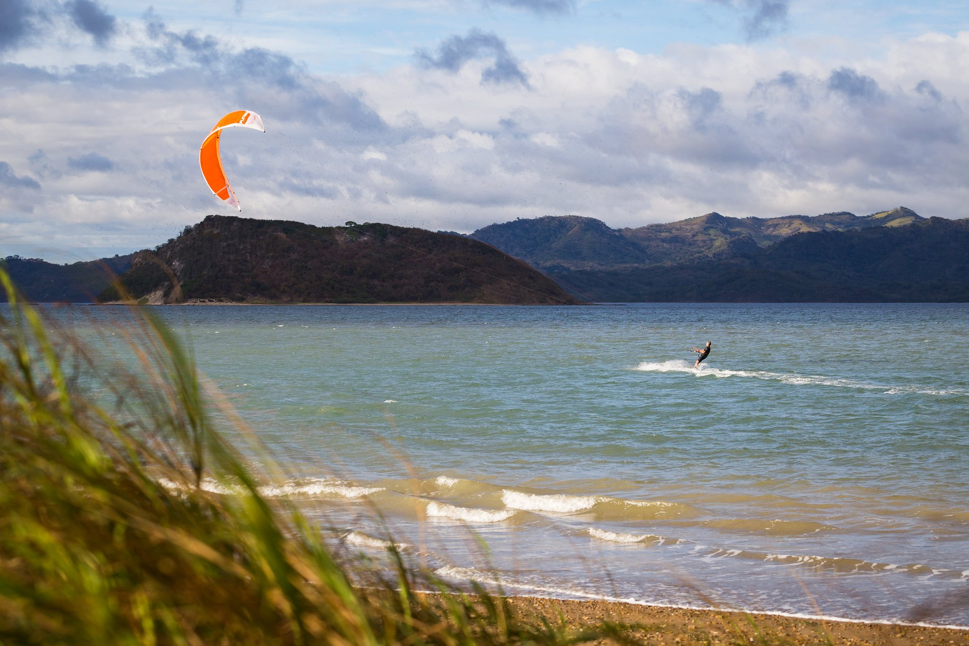 Kiteboarding and Windsurfing in Costa Rica 2020 - Best Time