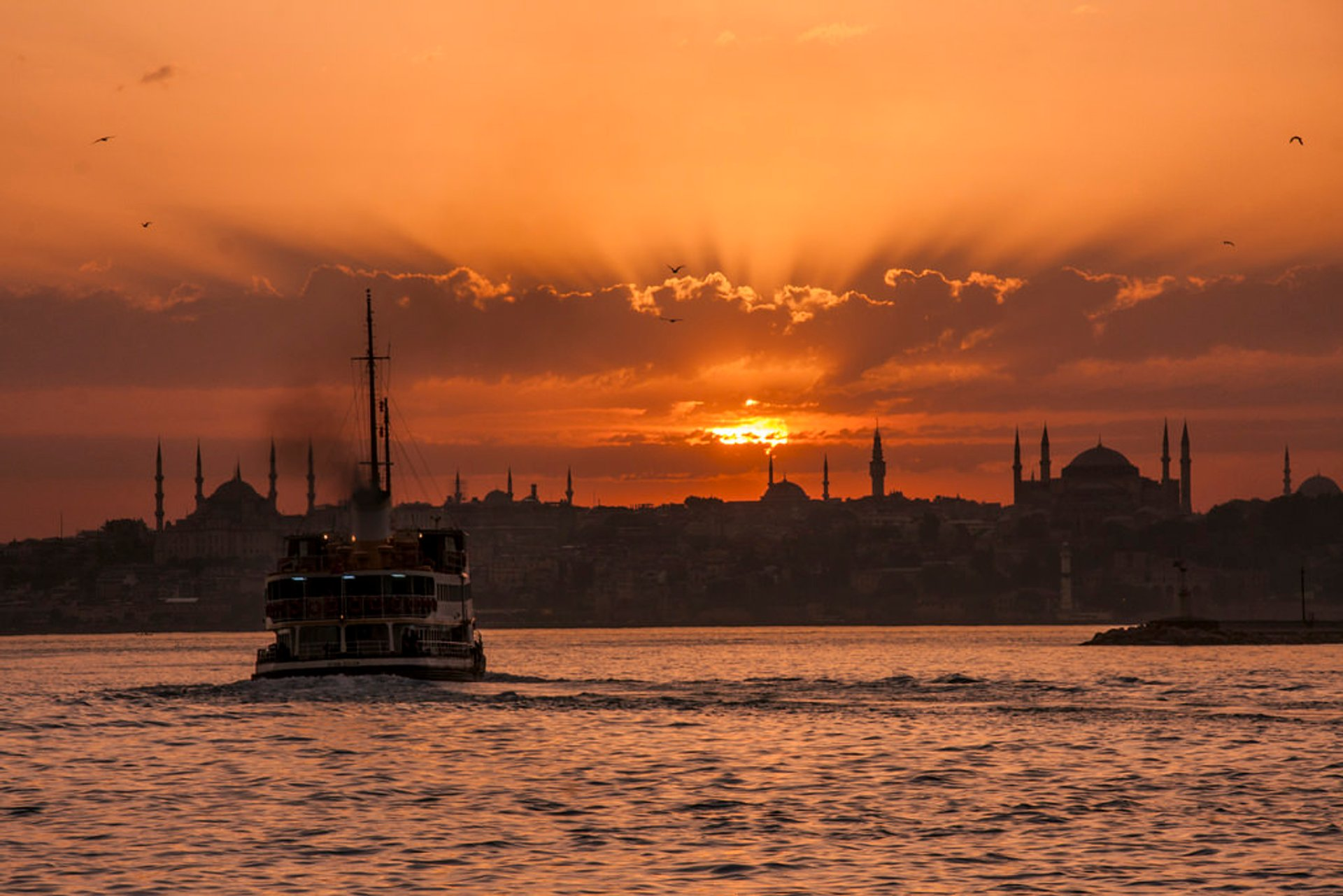 Best time for Sailing in Istanbul 2019