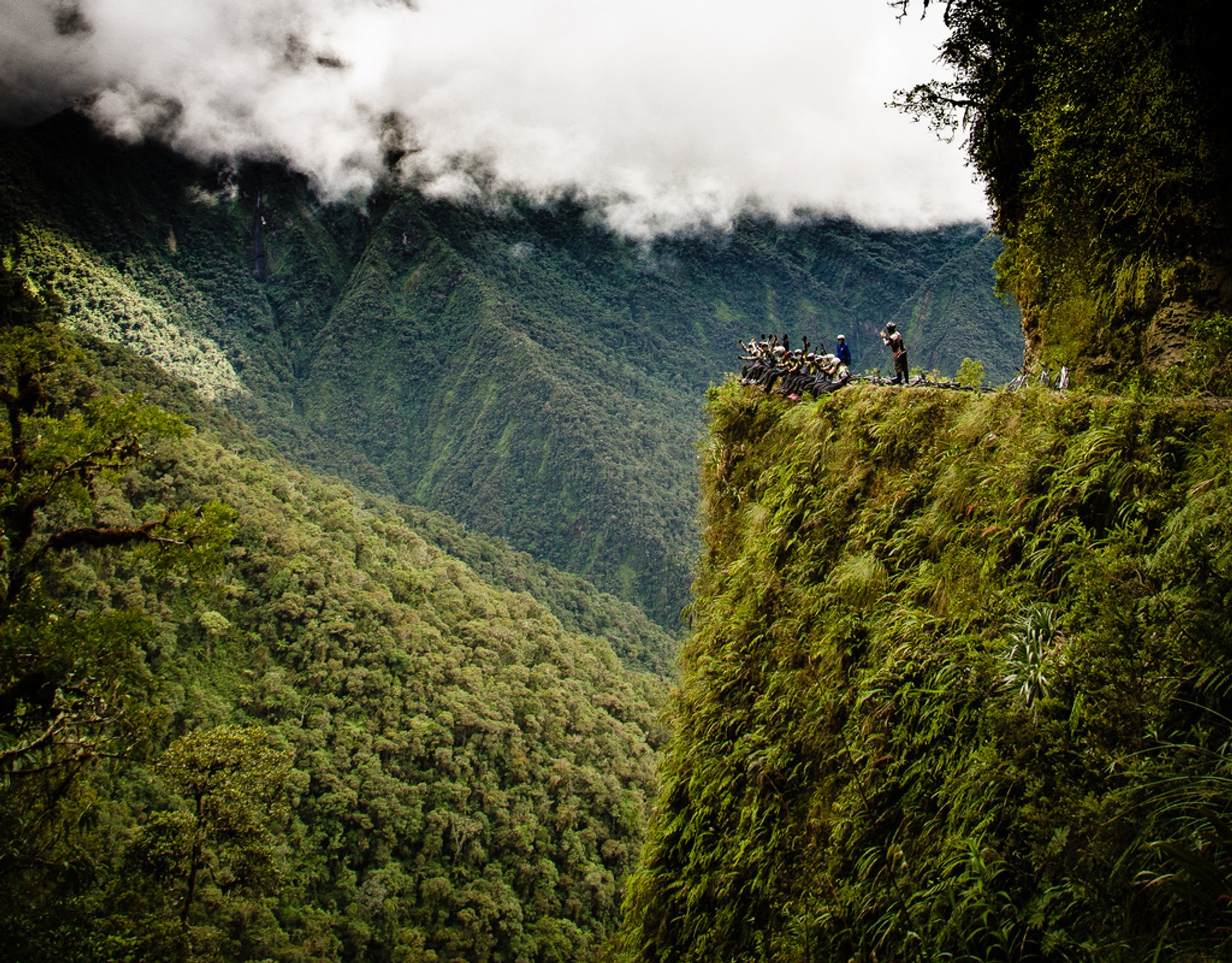 Best time for The Death Road (Camino a los Yungas) in Bolivia 2019