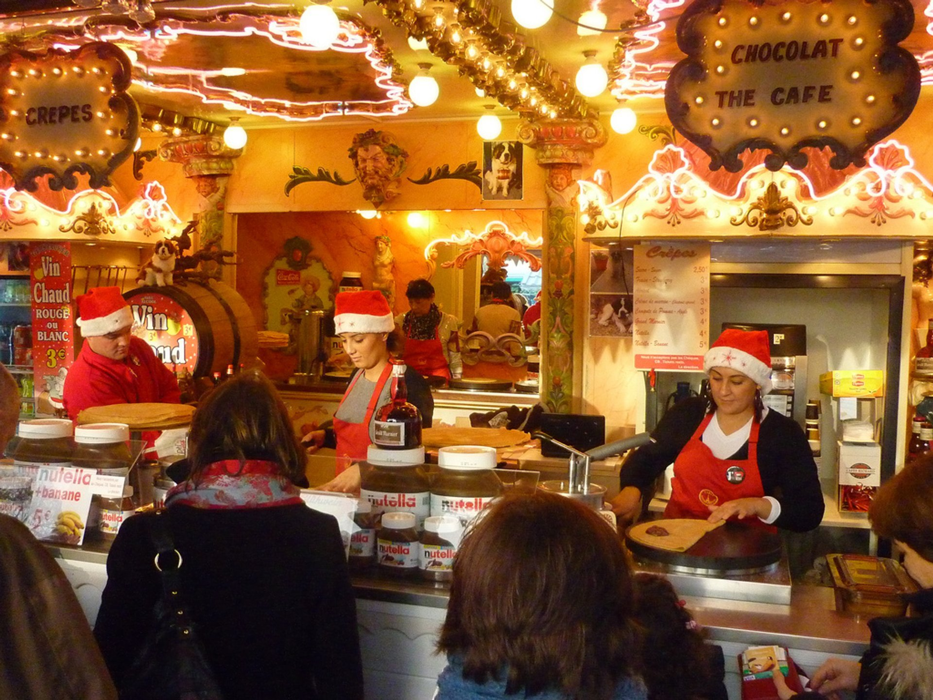 Crepes and mulled wine at the Christmas market in Paris 2019