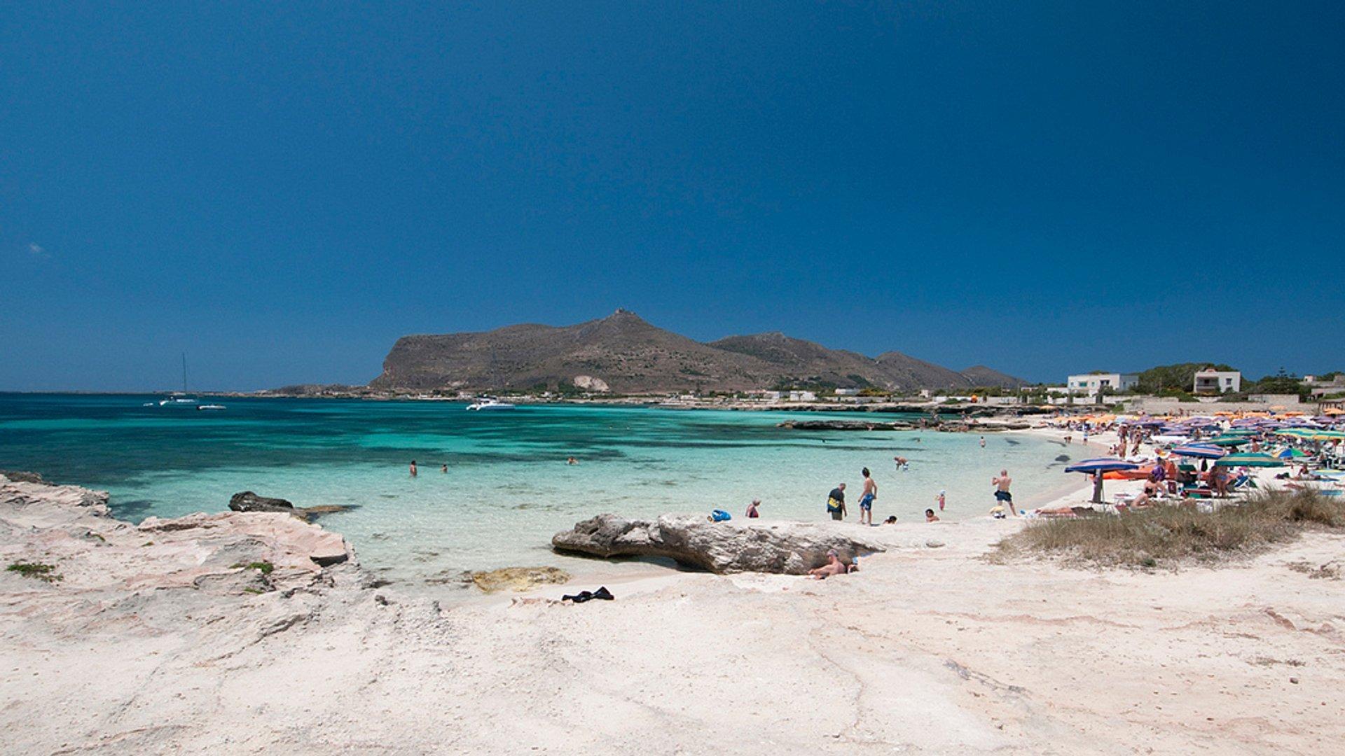 Beach Season in Sicily - Best Season 2020