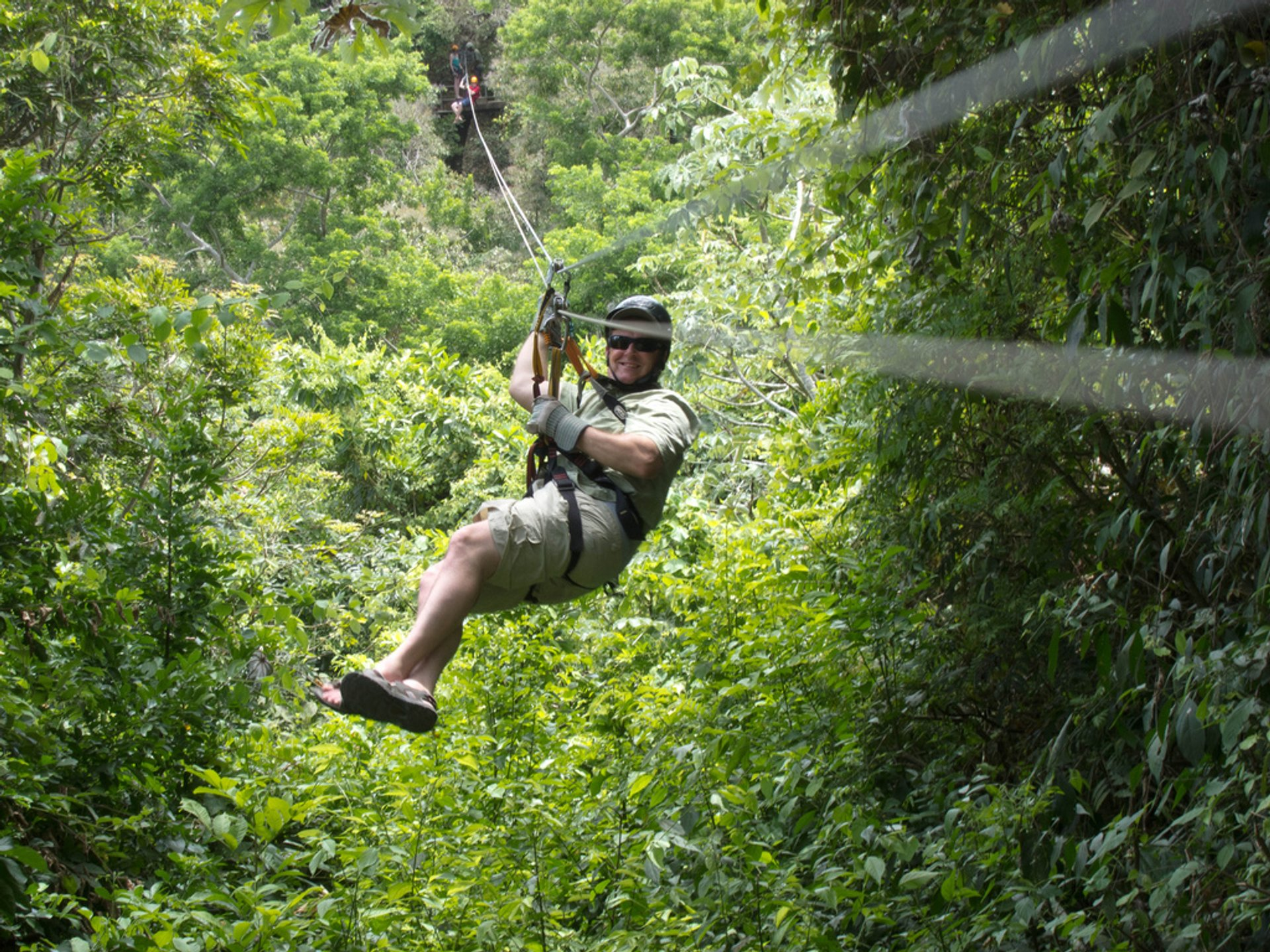 Ziplining on Roatán in Honduras - Best Season 2020