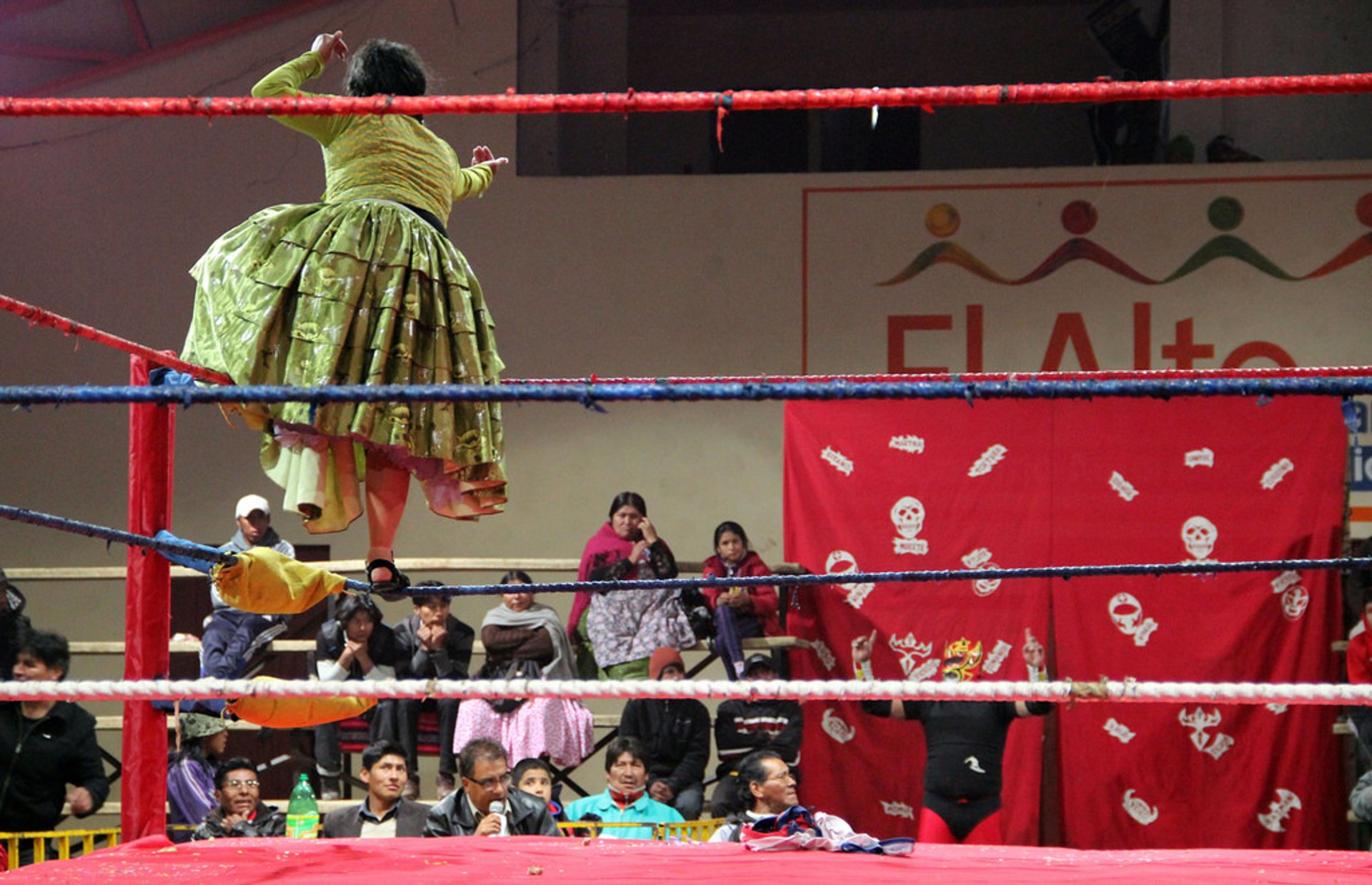 Best time for Cholita Wrestling in Bolivia 2020