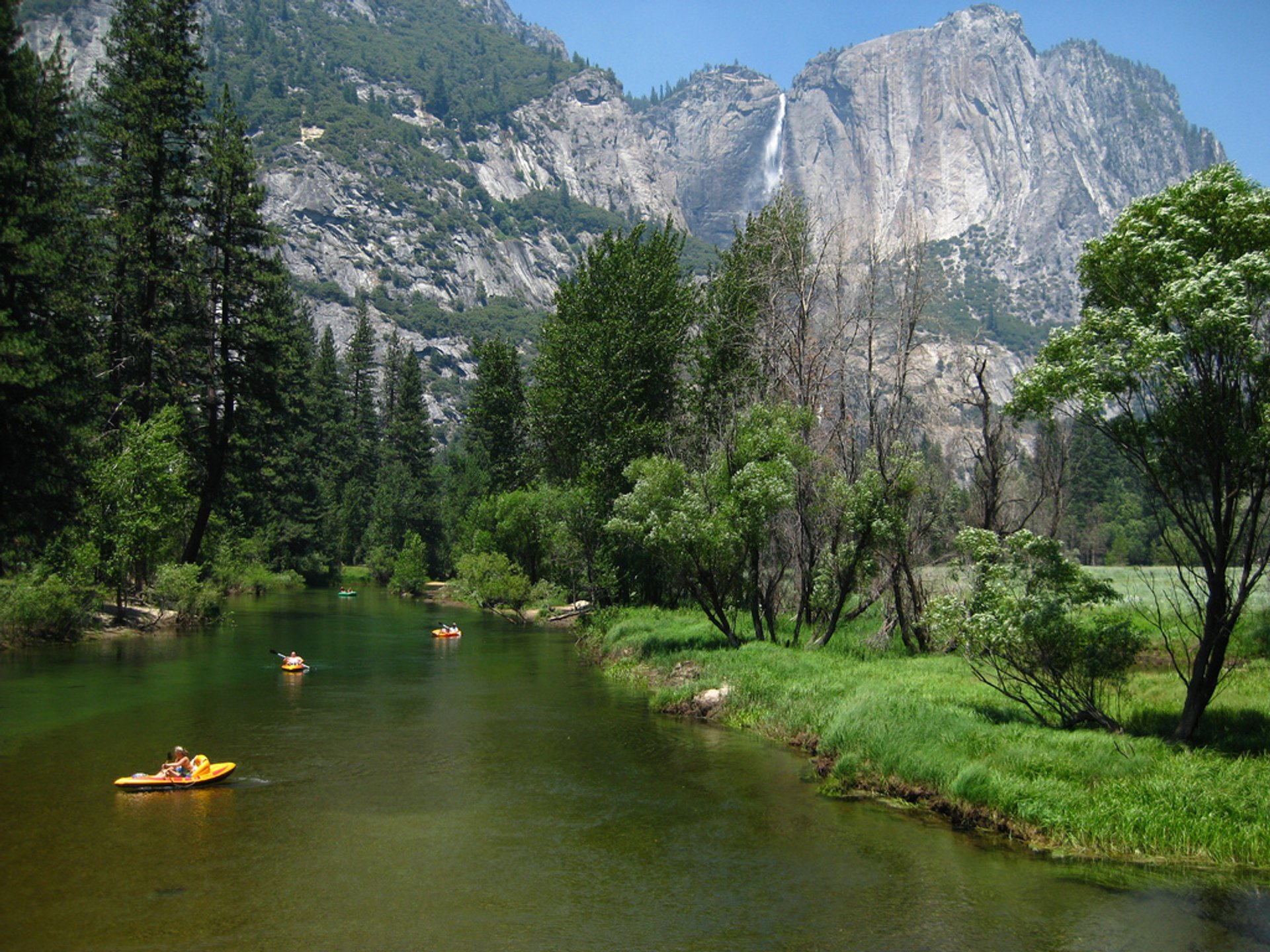 Kayaking and Canoeing the Merced River in Yosemite - Best Season 2019