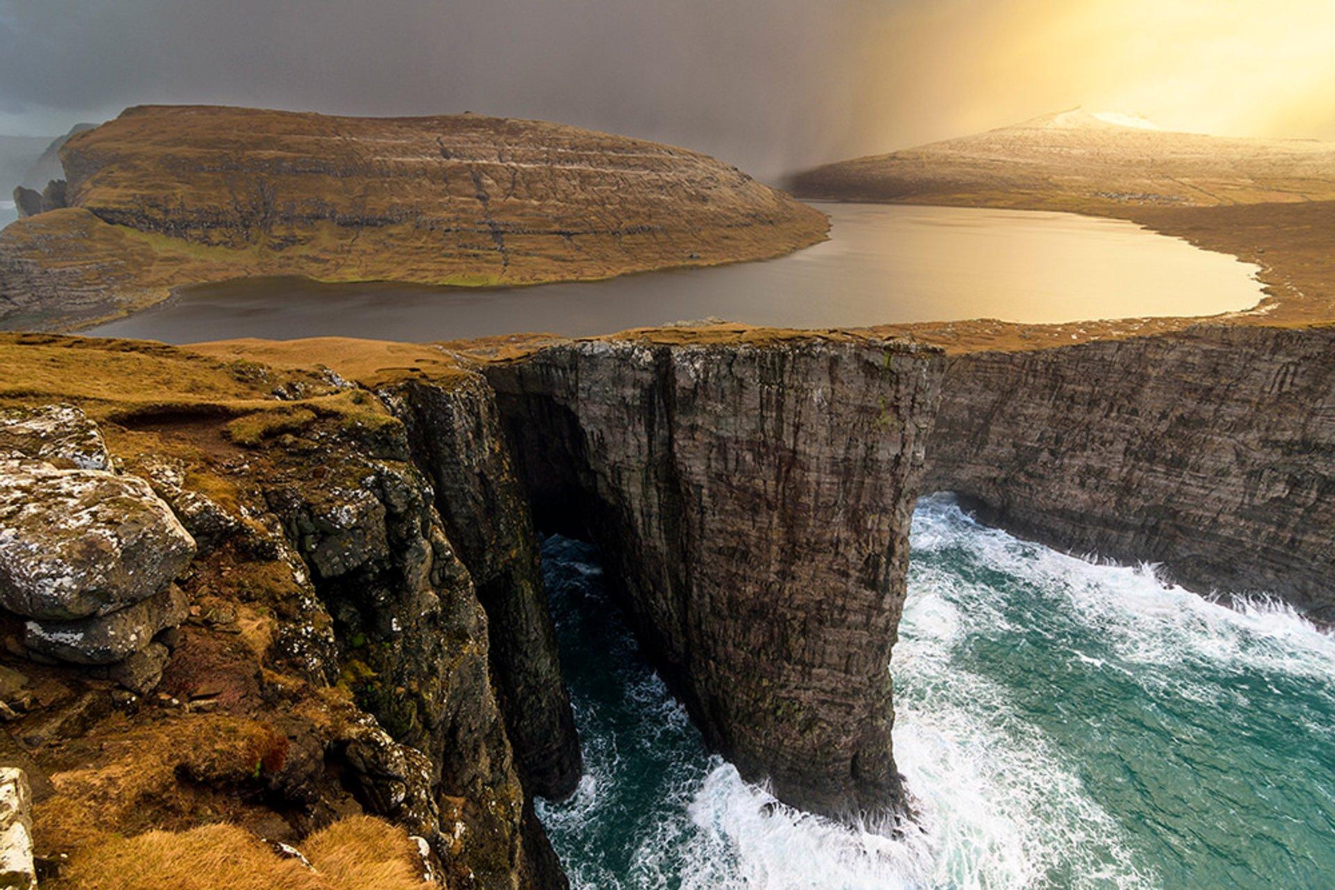 Lake Sørvágsvatn in Faroe Islands 2019 - Best Time