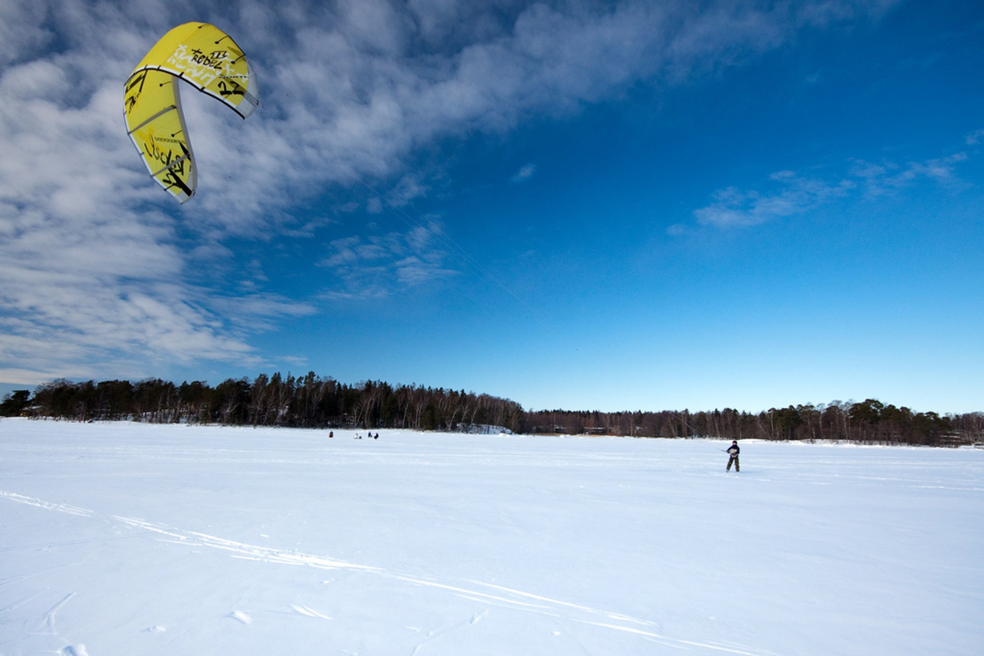 Snowkiting (Kiteskiing) in Finland - Best Season 2020