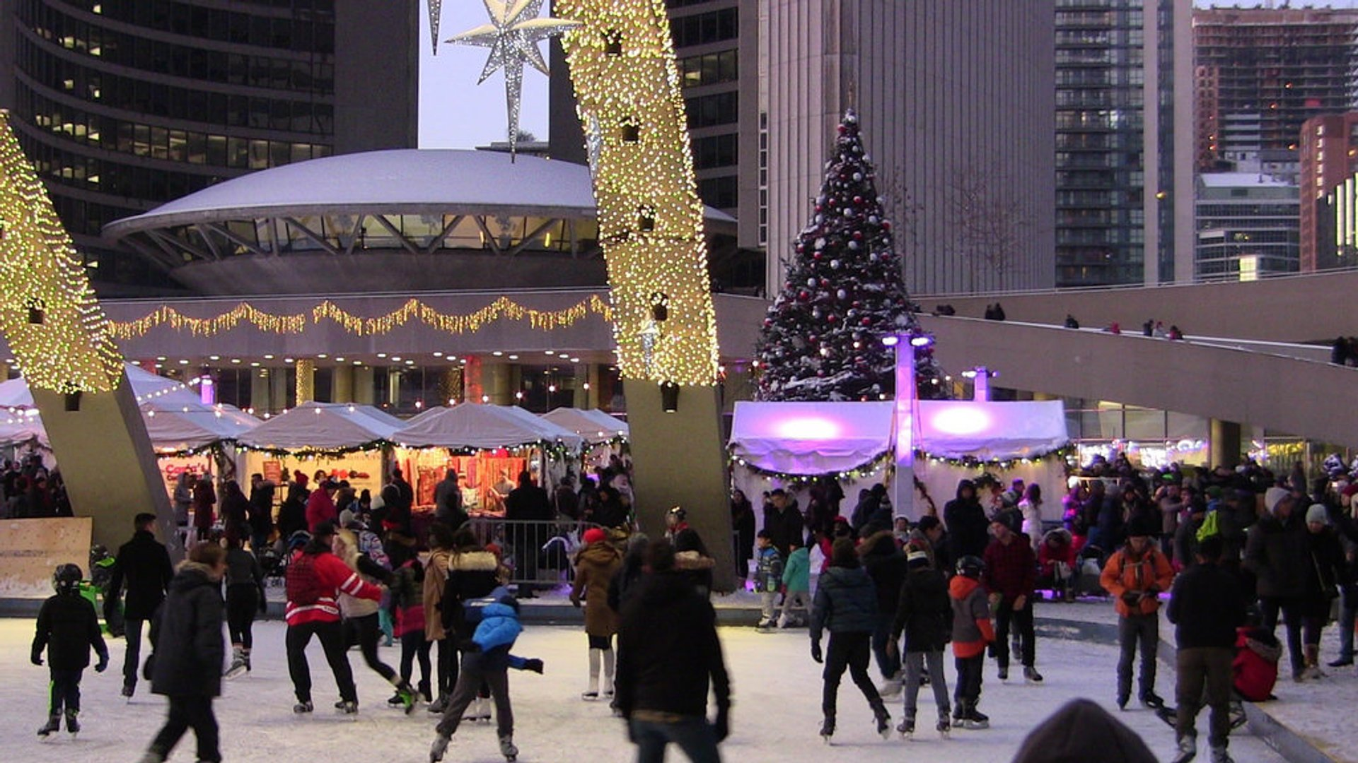 Best time for Holiday Fair in the Square in Toronto 2020