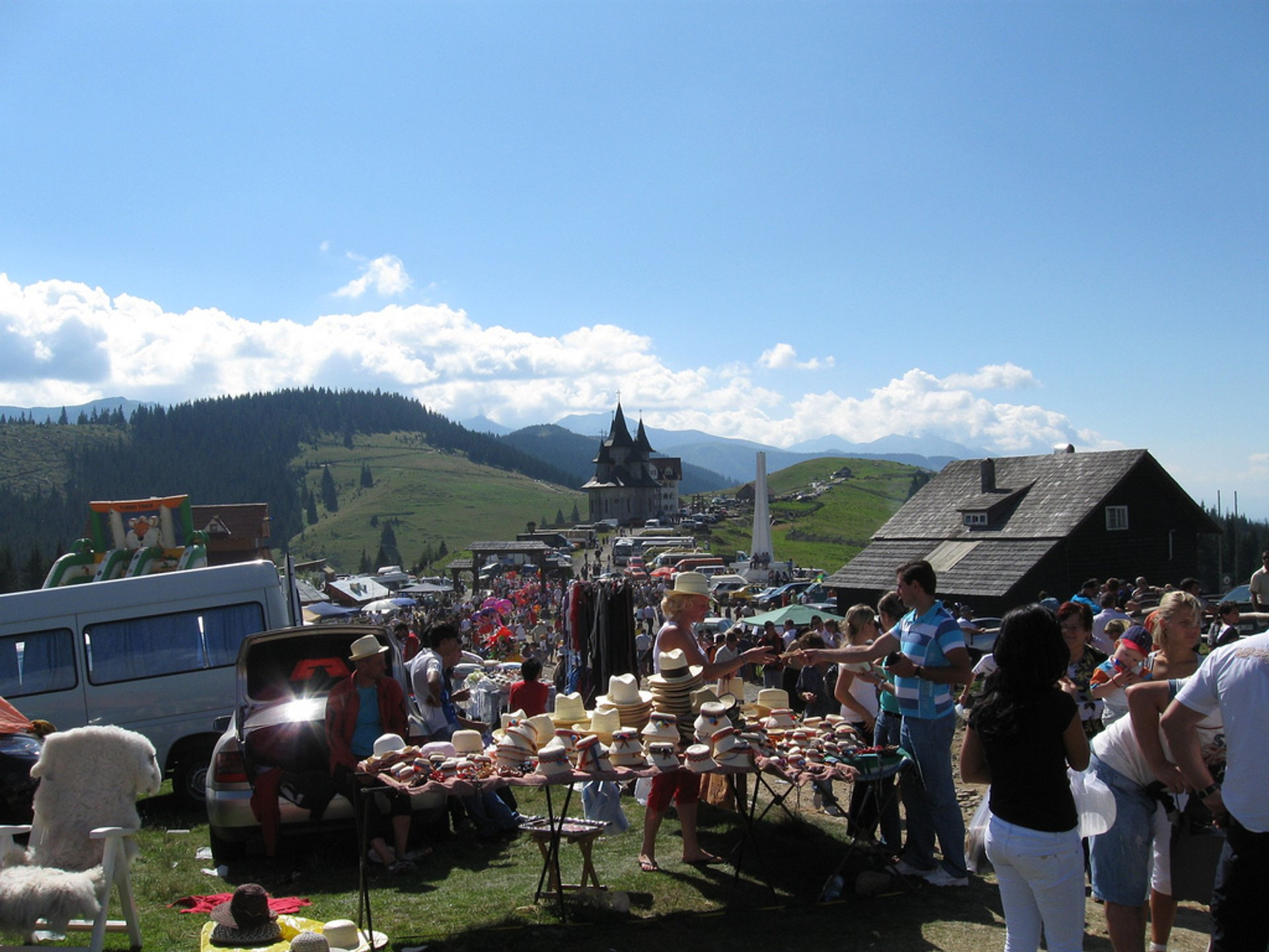 Best time for Prislop Pass Folk Festival in Romania 2020