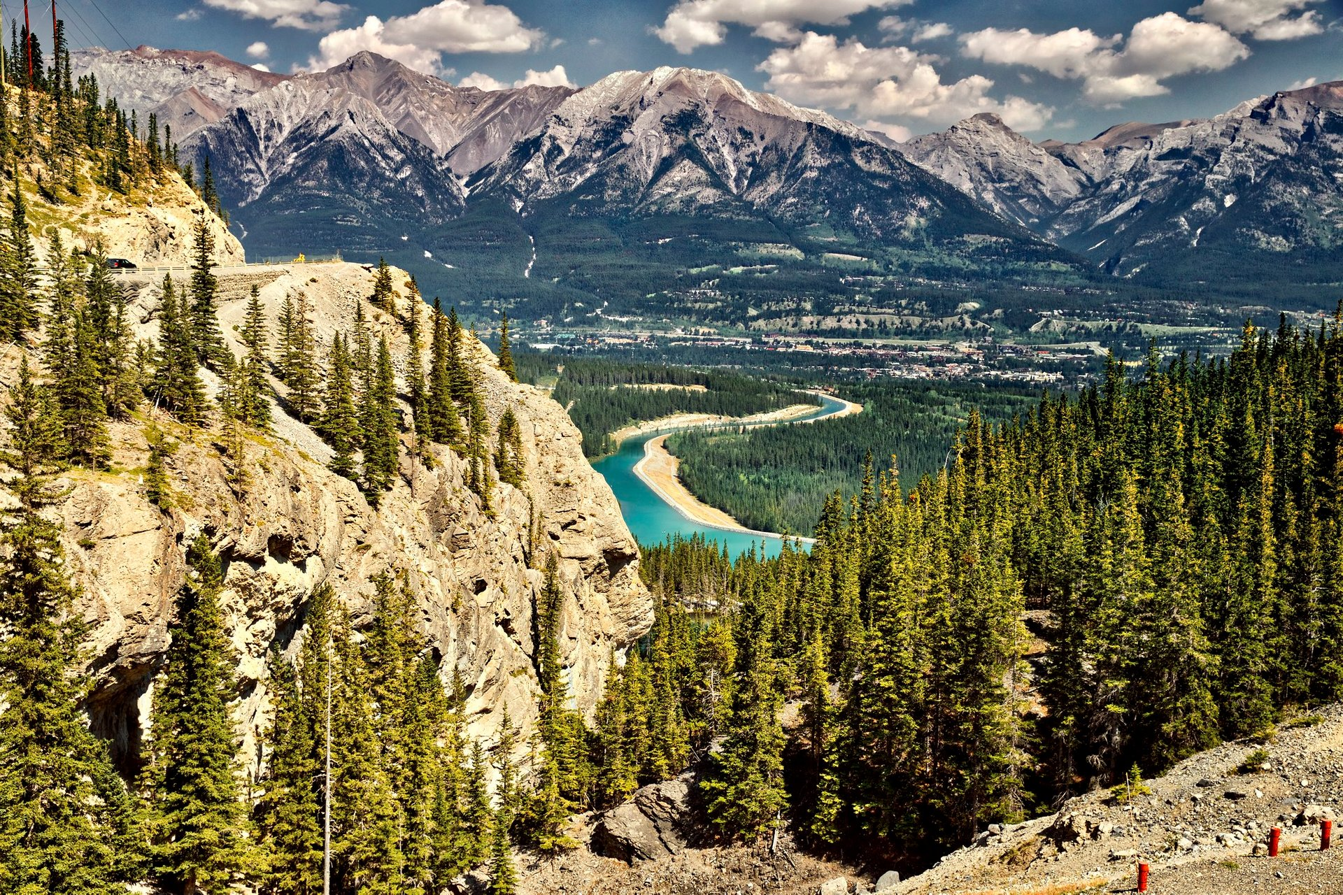 Best time for Grassi Lakes in Banff & Jasper National Parks 2020