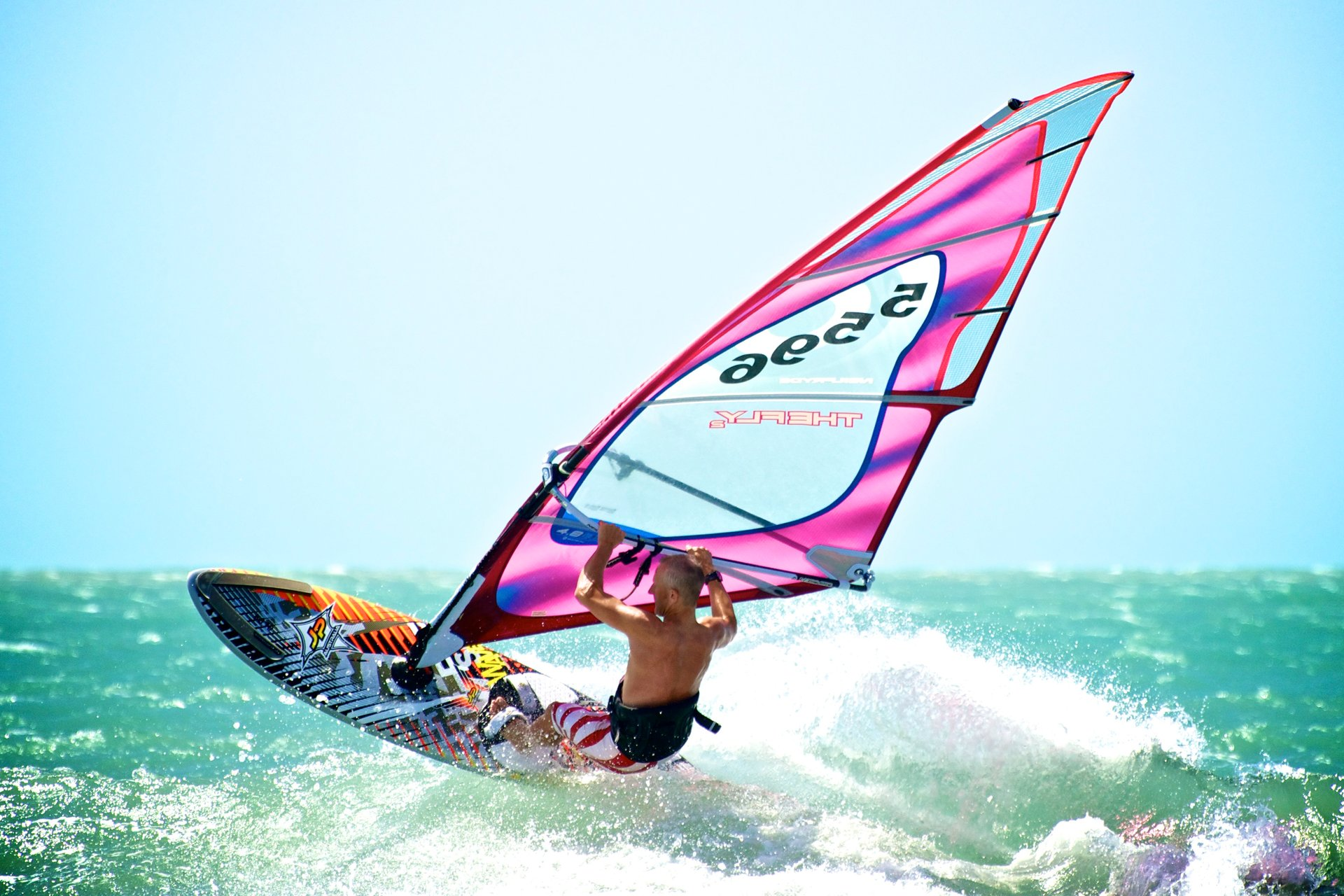 Kitesurfing and Windsurfing in Brazil 2020 - Best Time