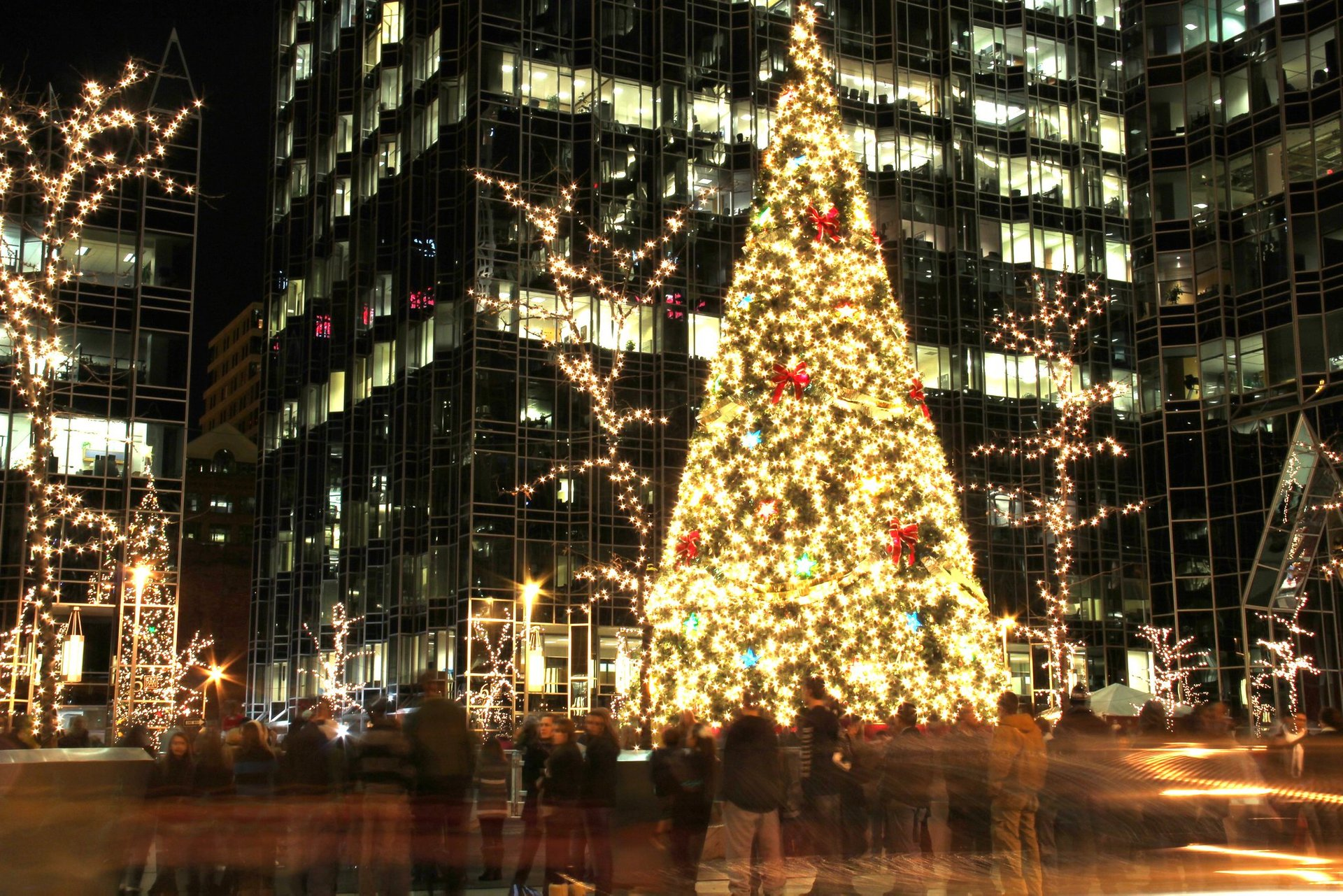 PPG Place Christmas Tree 2020