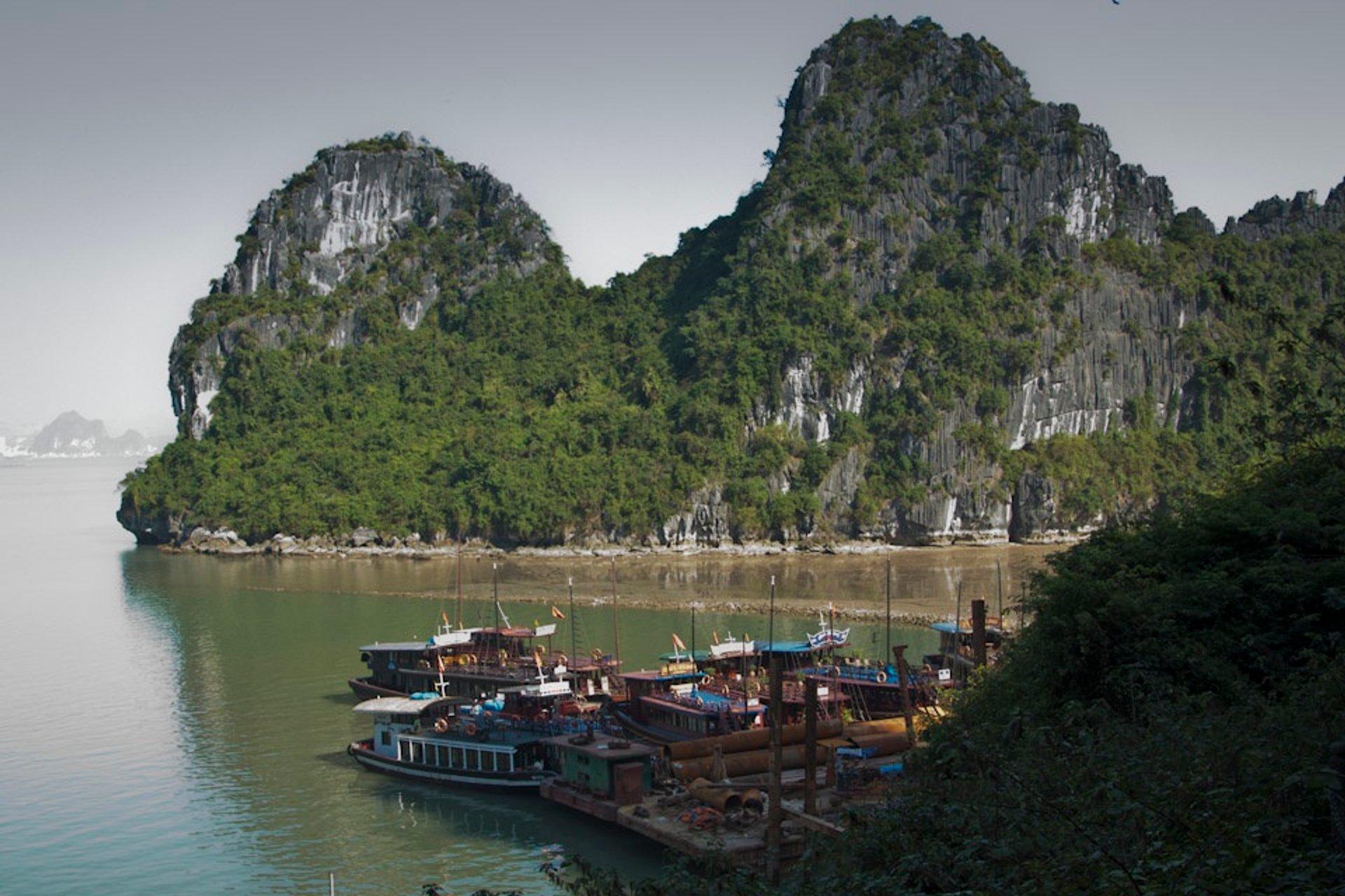 Best time for Ha Long Bay in Vietnam 2020